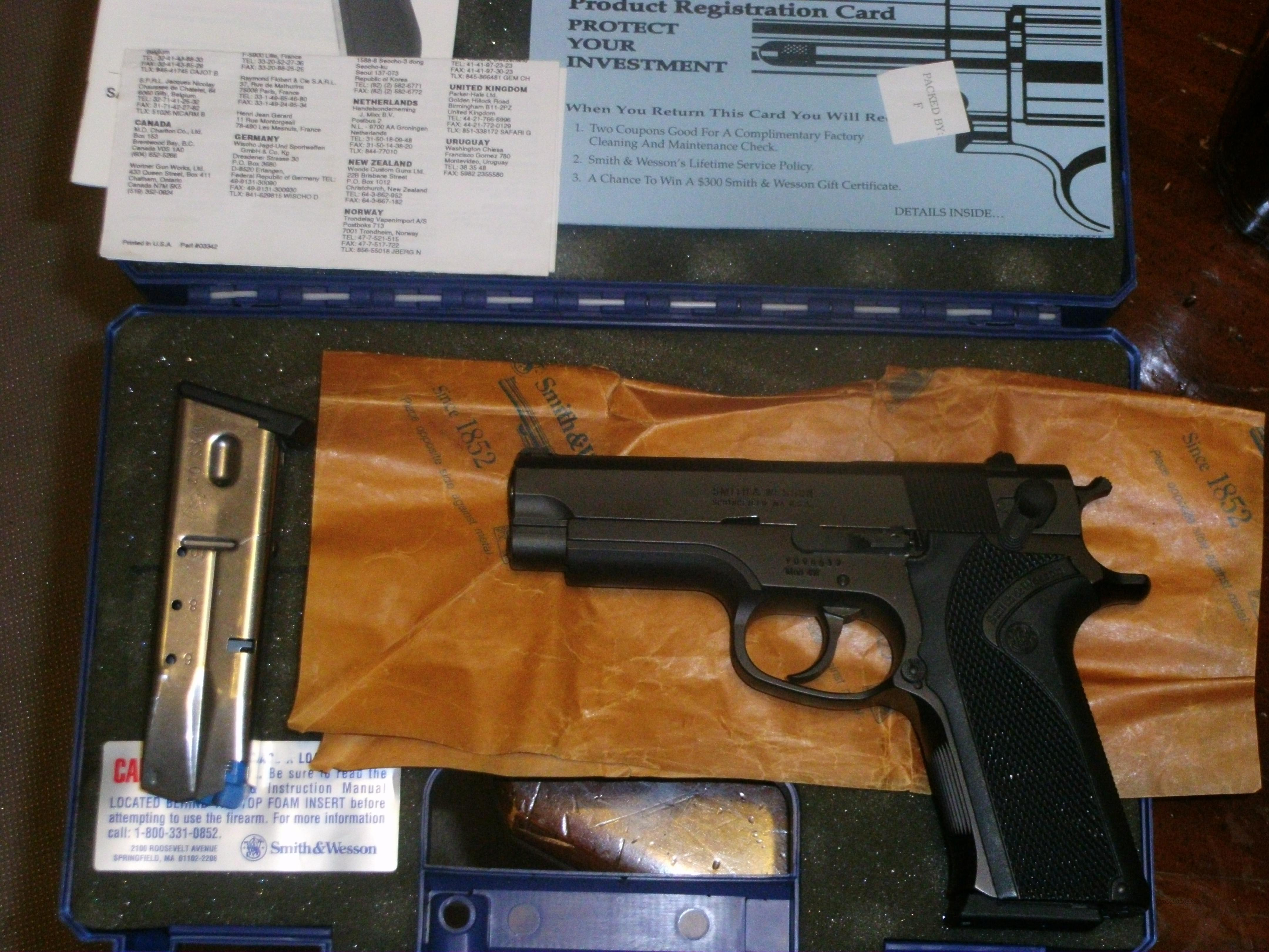 Smith & Wesson model 411  Guns > Pistols > Smith & Wesson Pistols - Autos > Steel Frame