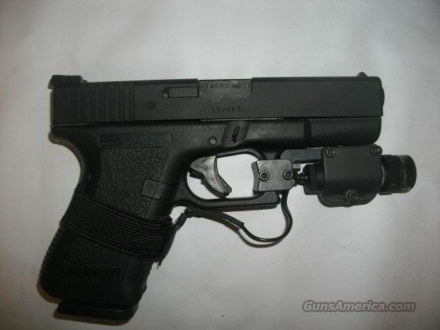 glock 19  with laser early generation...like new  Guns > Pistols > Glock Pistols > 19