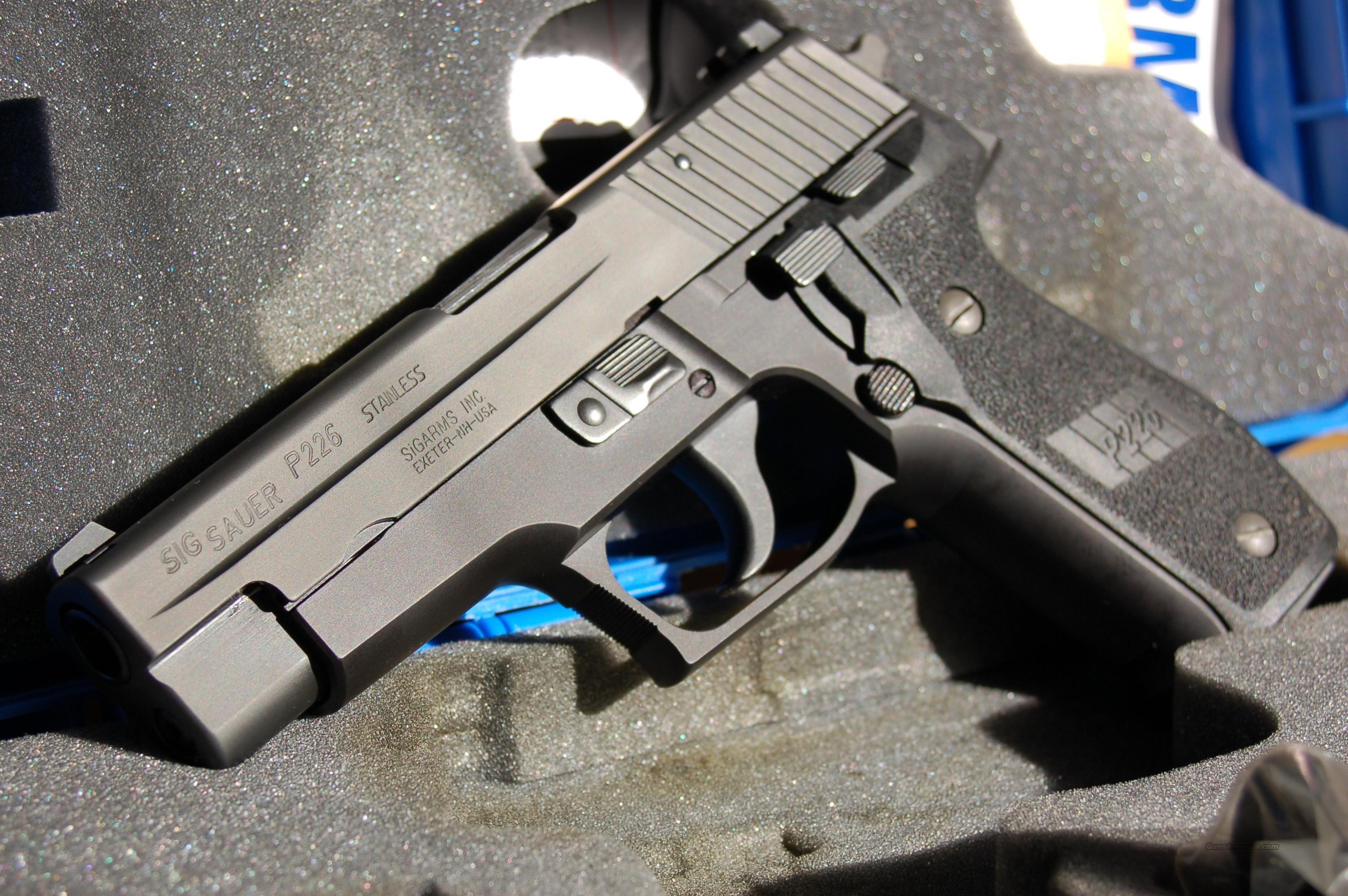 SIG 226, .40 S&W & .357 SIG, Nitron, w/ NS, (4) mags.  Guns > Pistols > Sig - Sauer/Sigarms Pistols