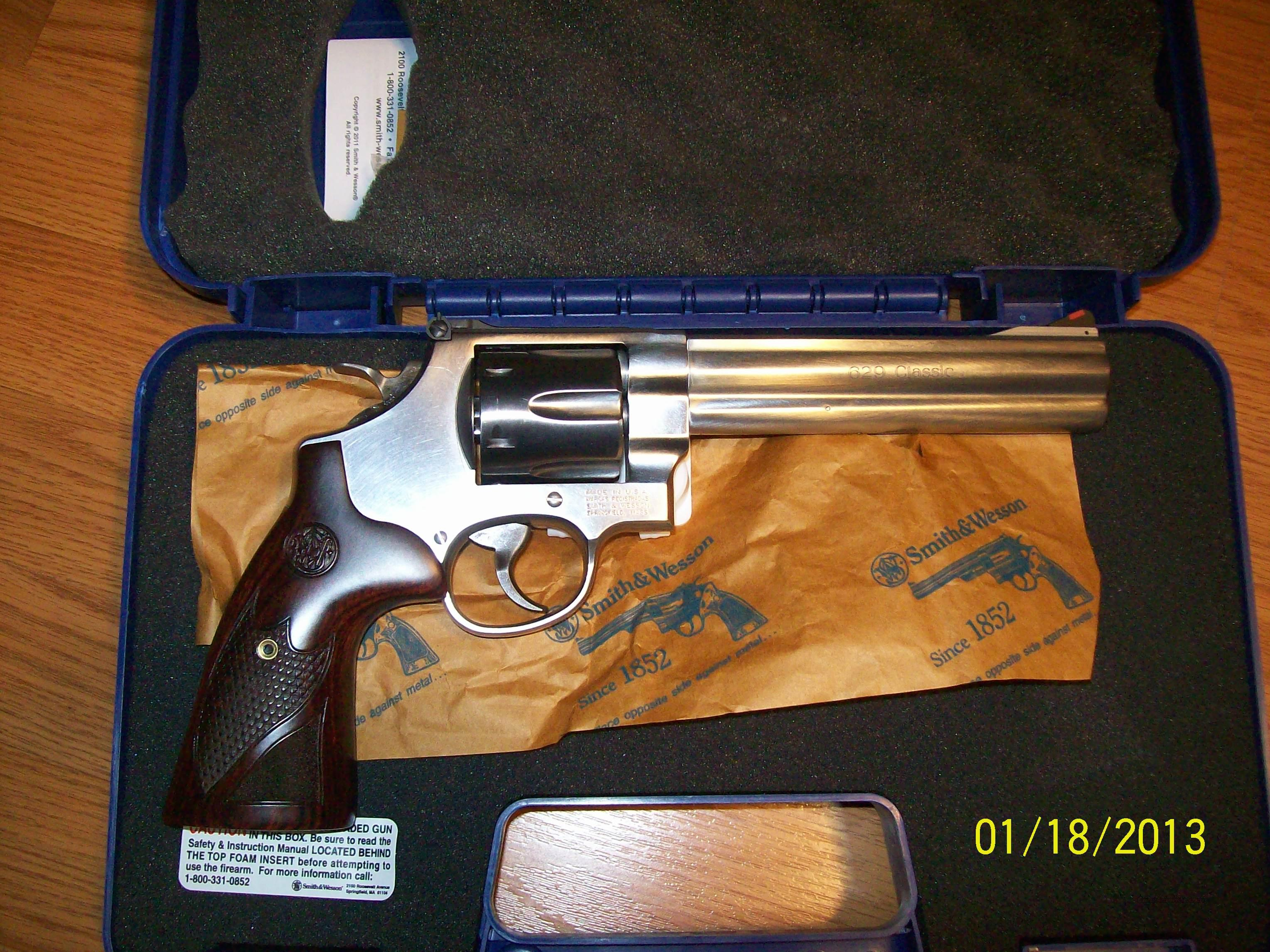 Smith & Wesson 44 Mag. 629 Classic - Never been Fired  Guns > Pistols > Smith & Wesson Revolvers > Model 629