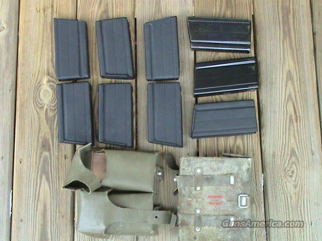 NINE (9) STEEL MIL-SURPLUS FNFAL METRIC MAGS AND 2 POUCHES  Non-Guns > Magazines & Clips > Rifle Magazines > FAL