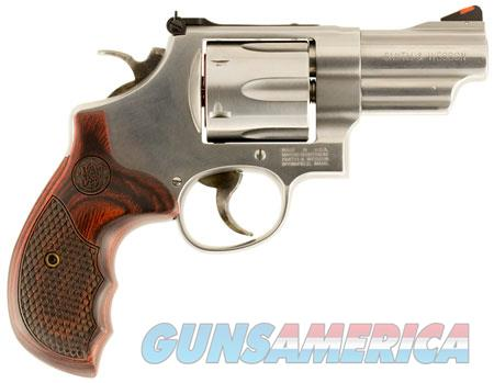 "Smith & Wesson 150715 629 Deluxe Single/Double 44 Remington Magnum 3"" 6 rd Wood Grip Stainless Steel  Guns > Pistols > Smith & Wesson Revolvers > Model 629"