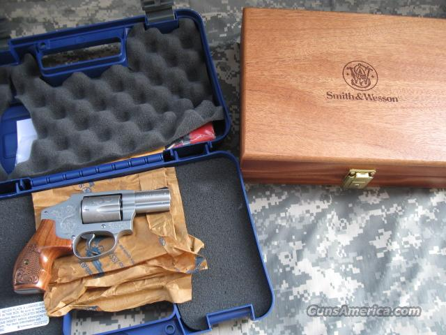SMITH & WESSON 640 357 MAGNUM ENGRAVED W/CASE  Guns > Pistols > Smith & Wesson Revolvers > Pocket Pistols