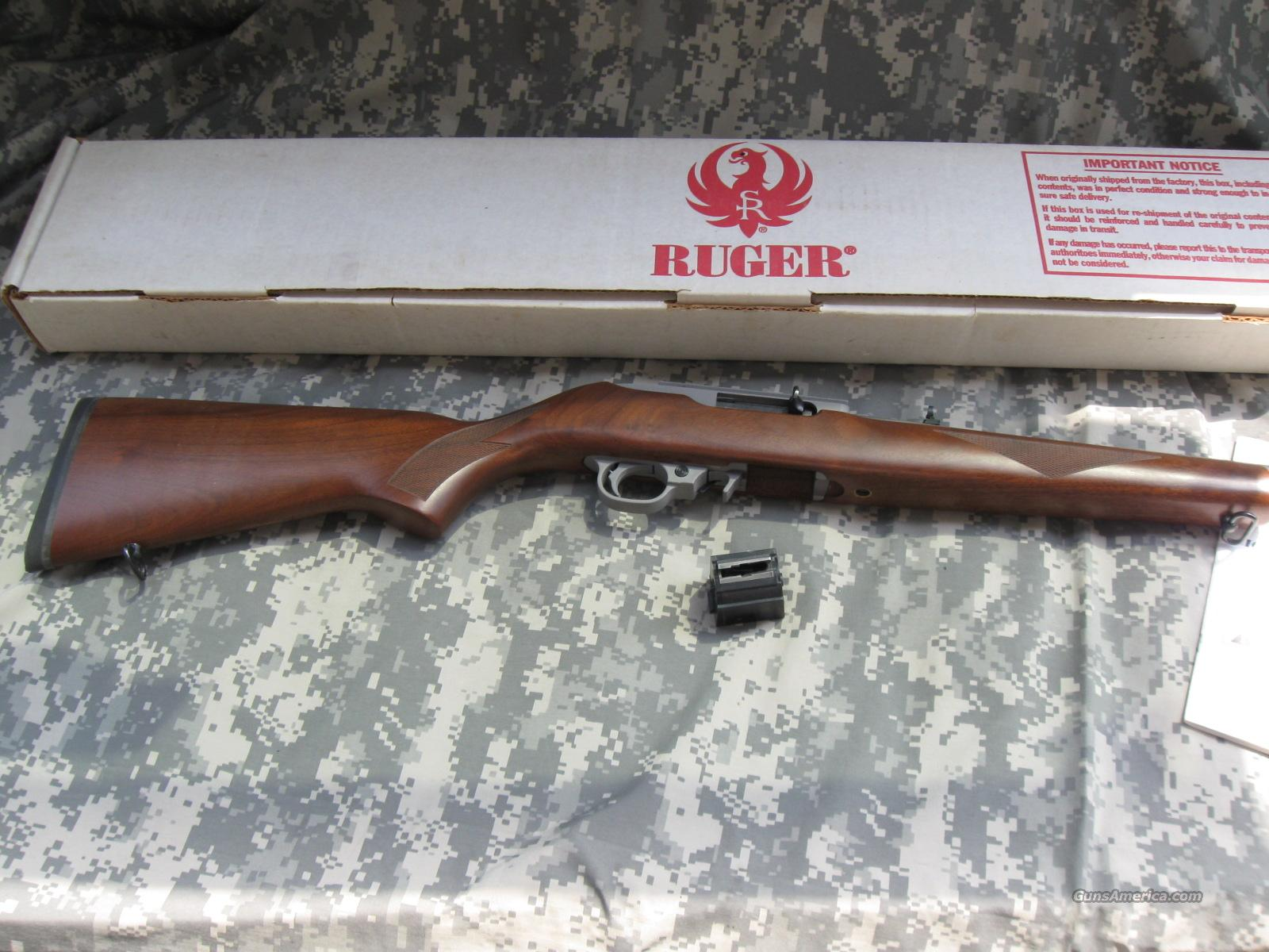 10/22 SS DELUXE SPORTER WITH CIRCASSIAN WALNUT  Guns > Rifles > Ruger Rifles > 10-22