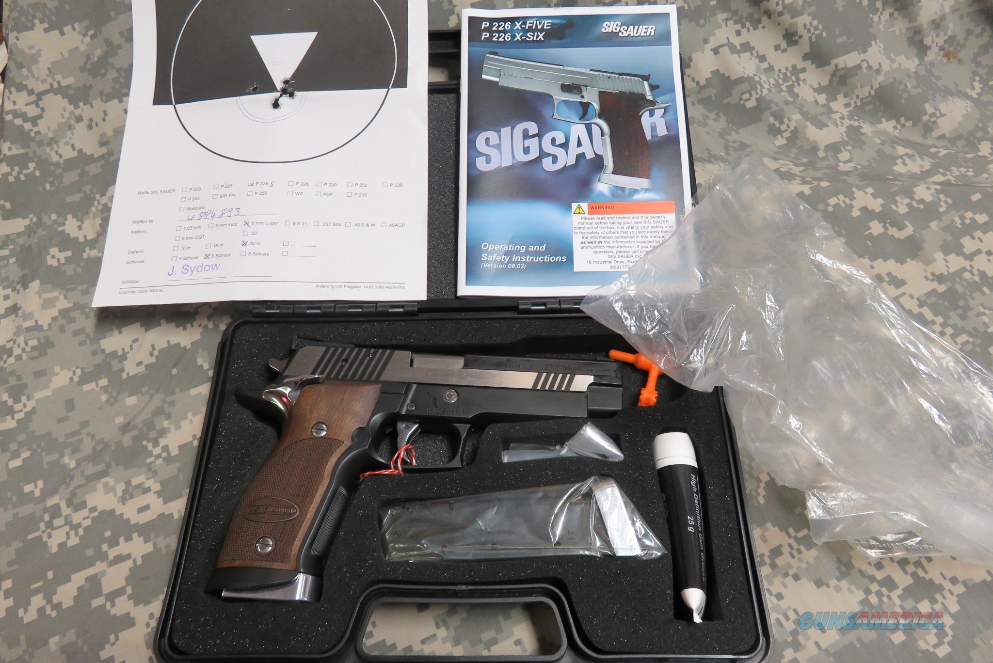 SIG SAUER P226S X-5 BLACK AND WHITE MASTERSHOP SERIES  Guns > Pistols > Sig - Sauer/Sigarms Pistols > P226