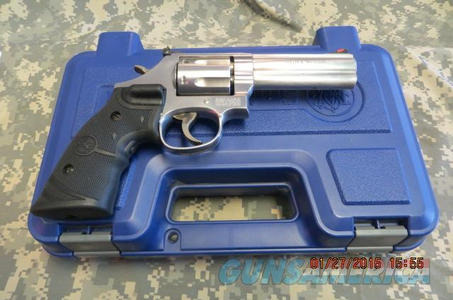 SMITH & WESSON 686+ 7 SHO 357MAG W/ CT Laser grips  Guns > Pistols > Smith & Wesson Revolvers > Full Frame Revolver