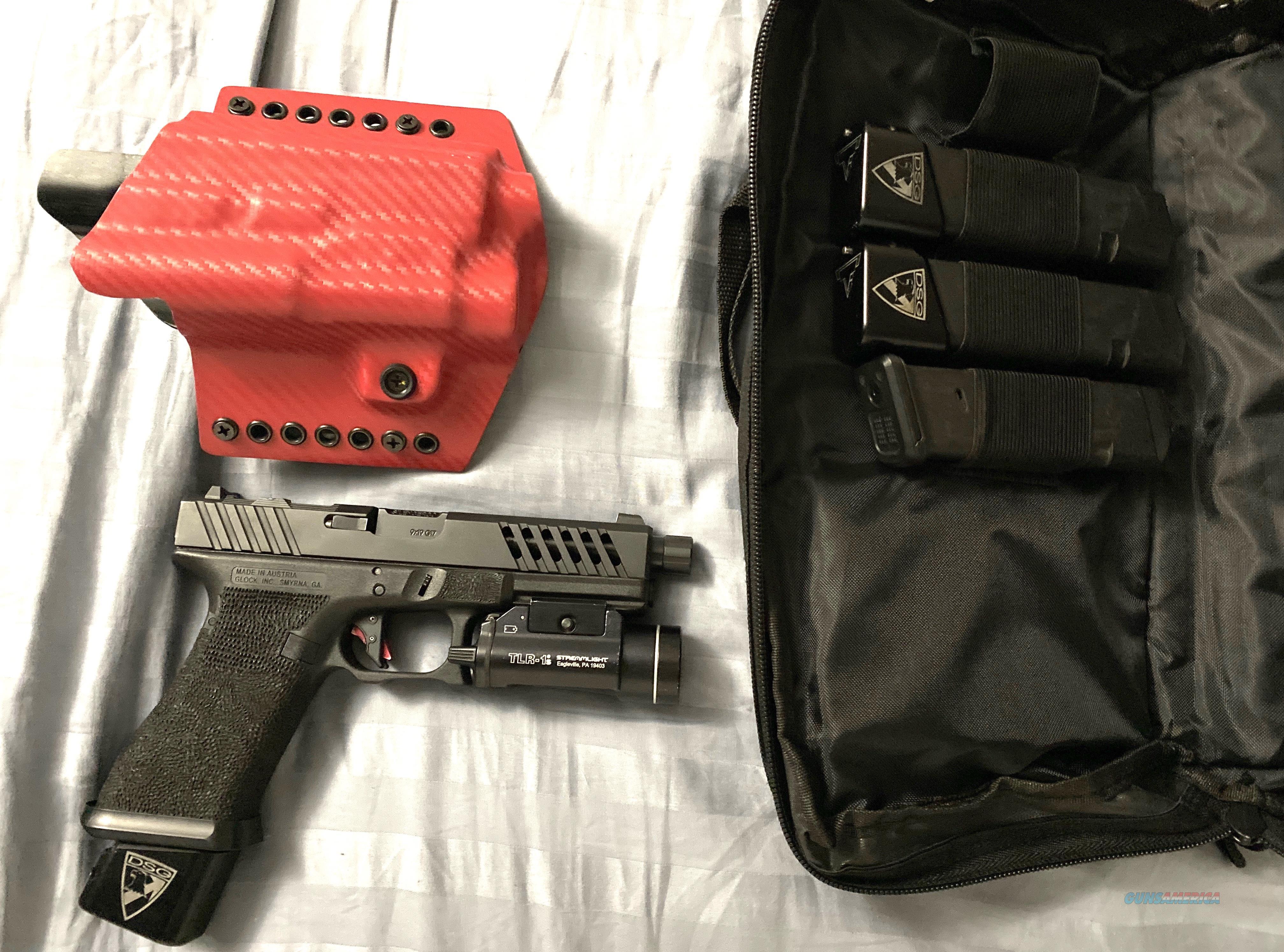Custom Glock 17  Guns > Pistols > Glock Pistols > 17