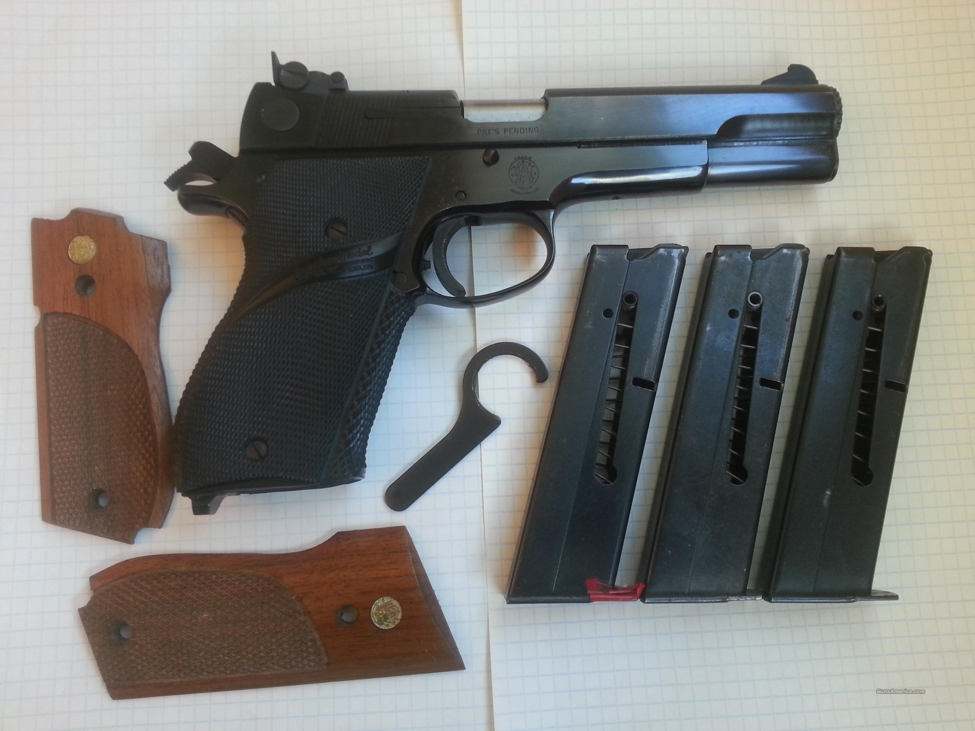 S&W Model 52-2 38 Special target pistol  Guns > Pistols > Smith & Wesson Pistols - Autos > Steel Frame
