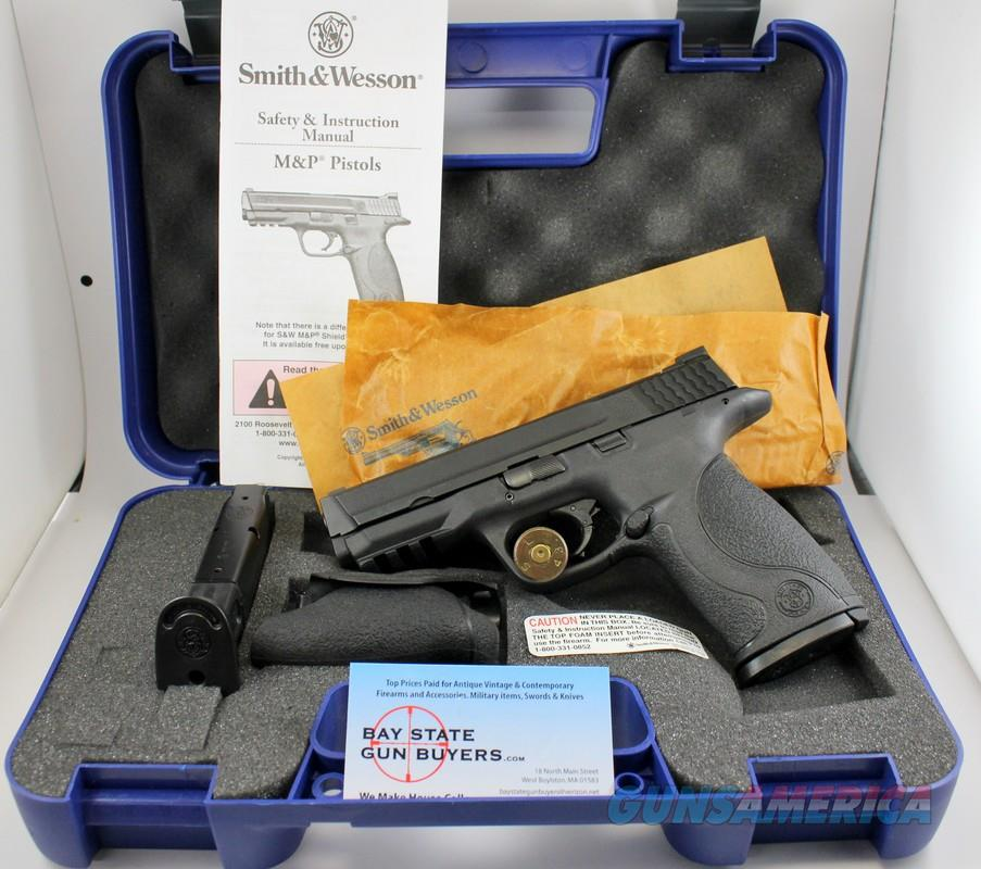 Smith & Wesson M&P 9 semi-automatic pistol ~ 9mm ~ BOX & MANUAL  Guns > Pistols > Smith & Wesson Pistols - Autos > Polymer Frame