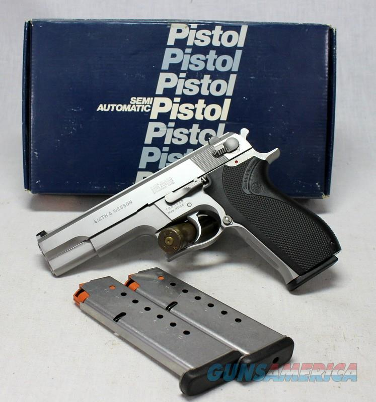 Smith & Wesson Model 4506 semi-automatic pistol ~ .45ACP ~ ORIGINAL BOX INCLUDED  Guns > Pistols > Smith & Wesson Pistols - Autos > Steel Frame