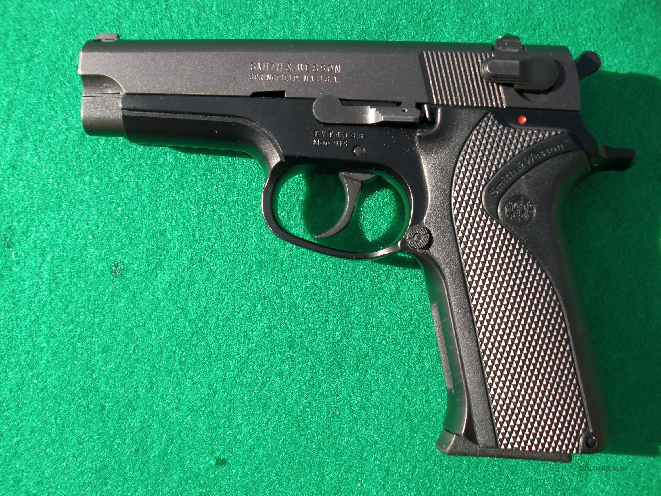 Smith and Wesson 915 9mm  Guns > Pistols > Smith & Wesson Pistols - Autos > Alloy Frame