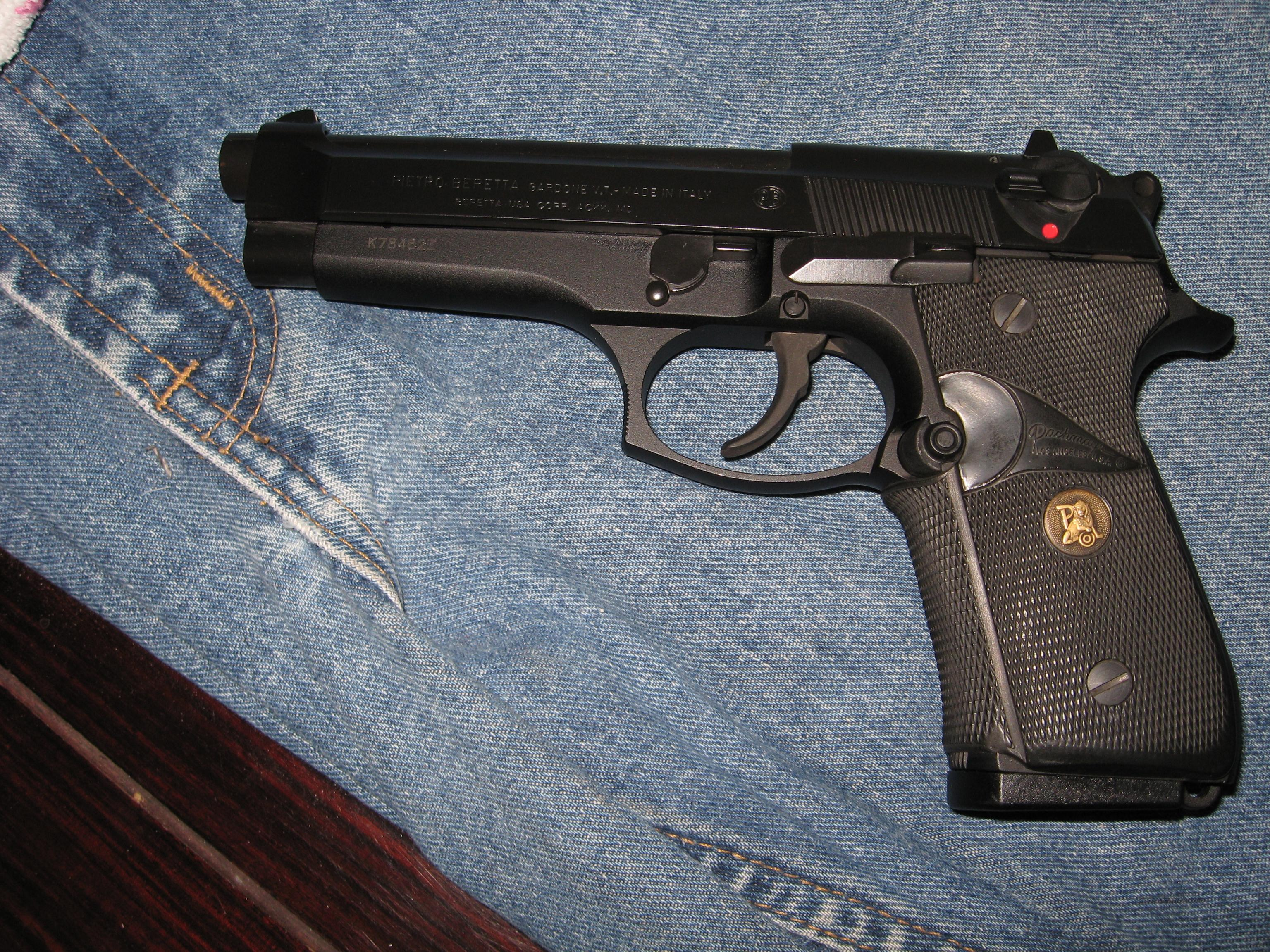 Beretta 92fs 3 mags, XLNT Condition!!  Guns > Pistols > Beretta Pistols > Model 92 Series