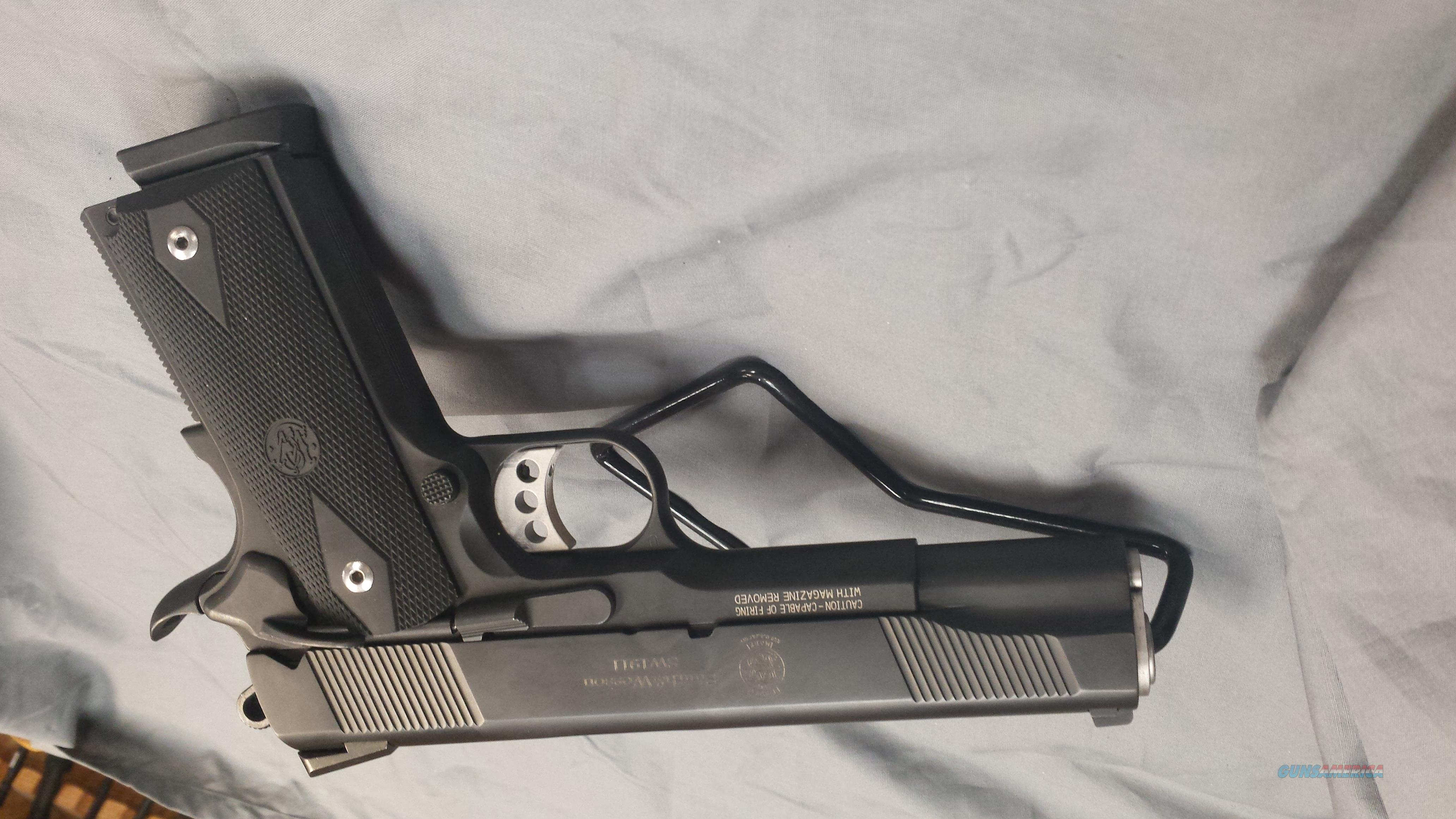 Smith & Wesson SW1911 45auto  Guns > Pistols > Smith & Wesson Pistols - Autos > Steel Frame