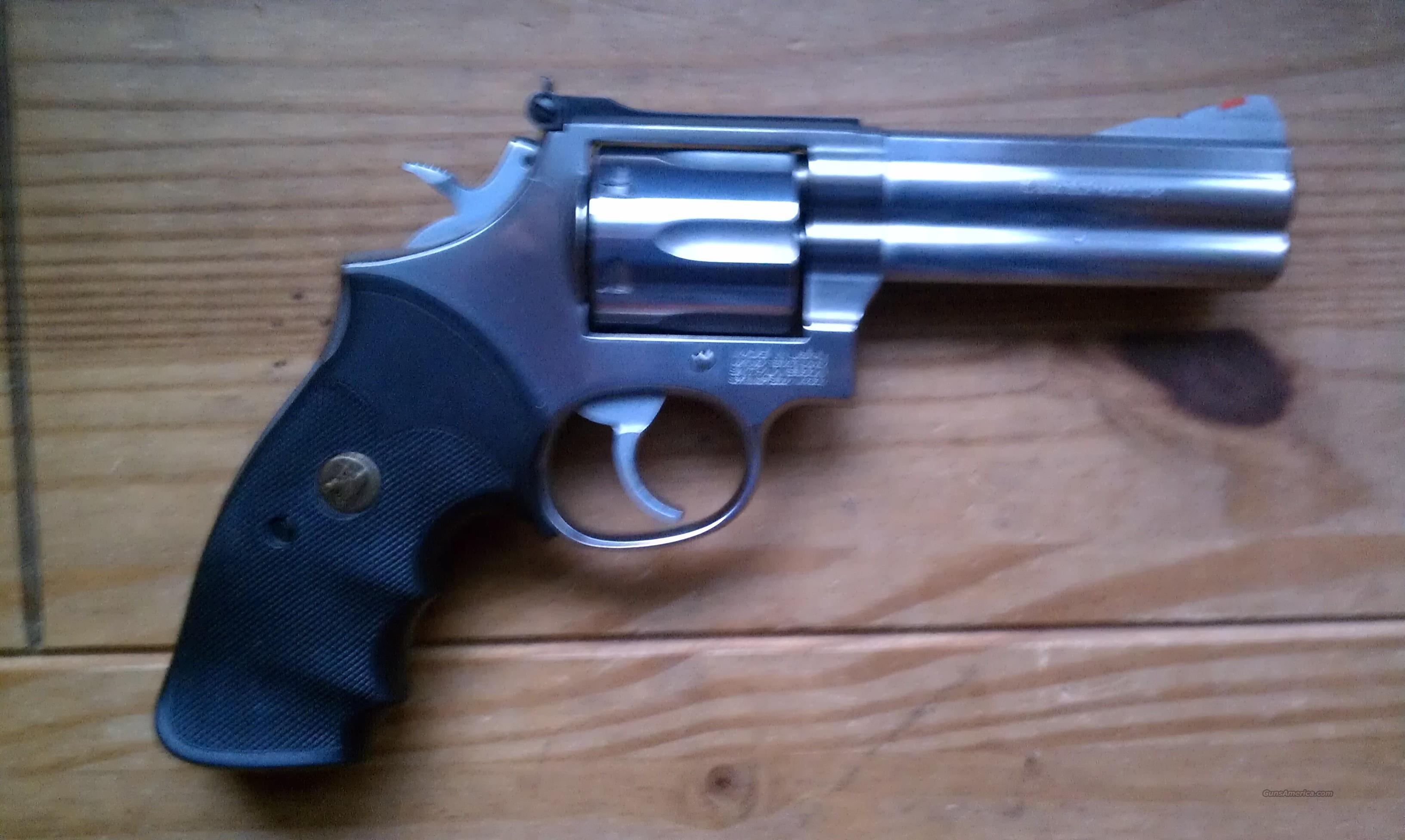 Smith and Wesson 686 .357 Magnum  Guns > Pistols > Smith & Wesson Revolvers > Full Frame Revolver