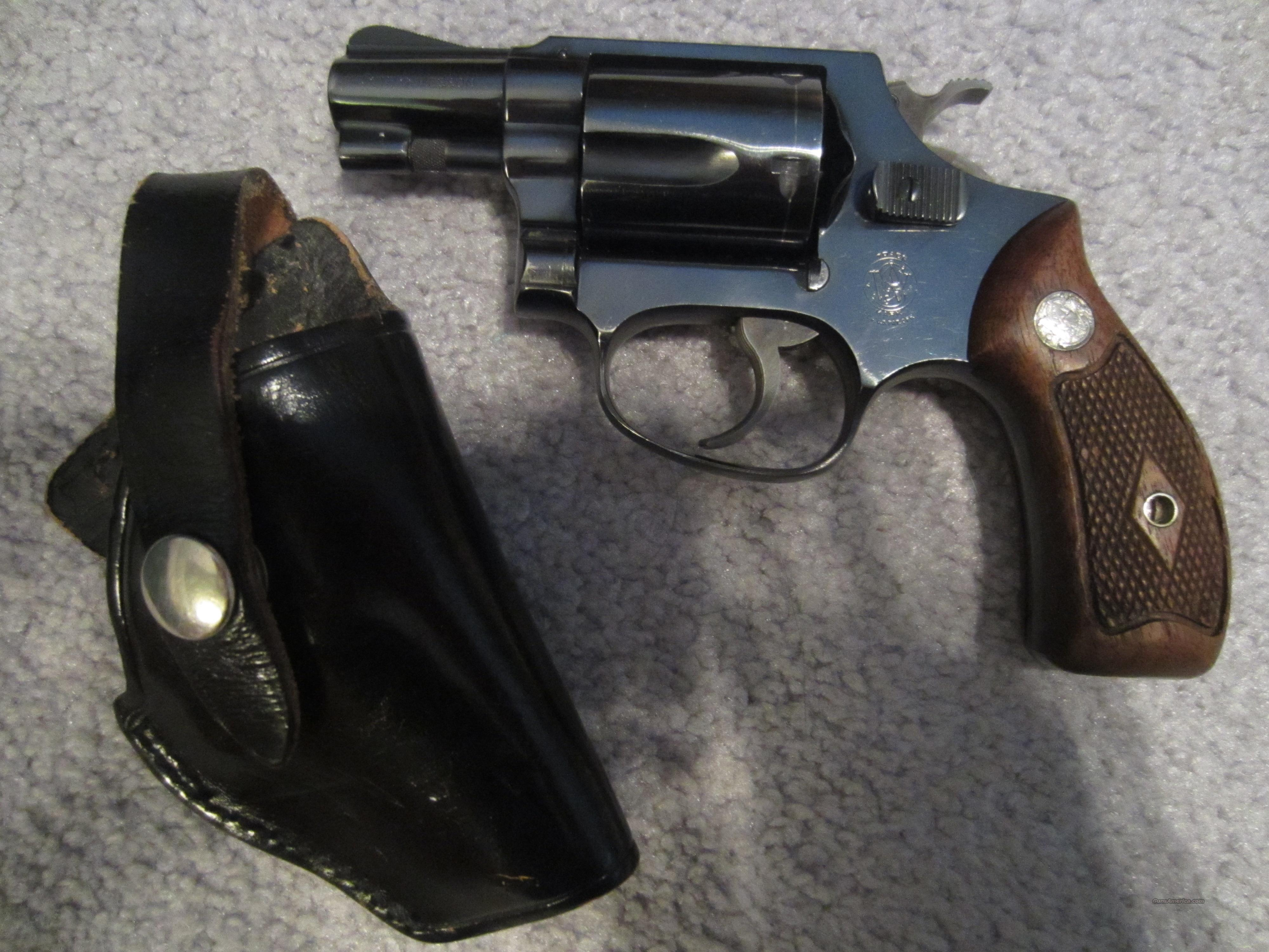 Smith & Wesson, Model 36, Chief's Special, .38 Special  5-Shot Revolver  Guns > Pistols > Smith & Wesson Revolvers > Pocket Pistols