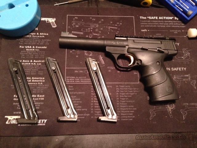 Barely Used Buckmark Practical w/ Rail, FO Sight and 1,000 rounds of .22lr  Guns > Pistols > Browning Pistols > Buckmark