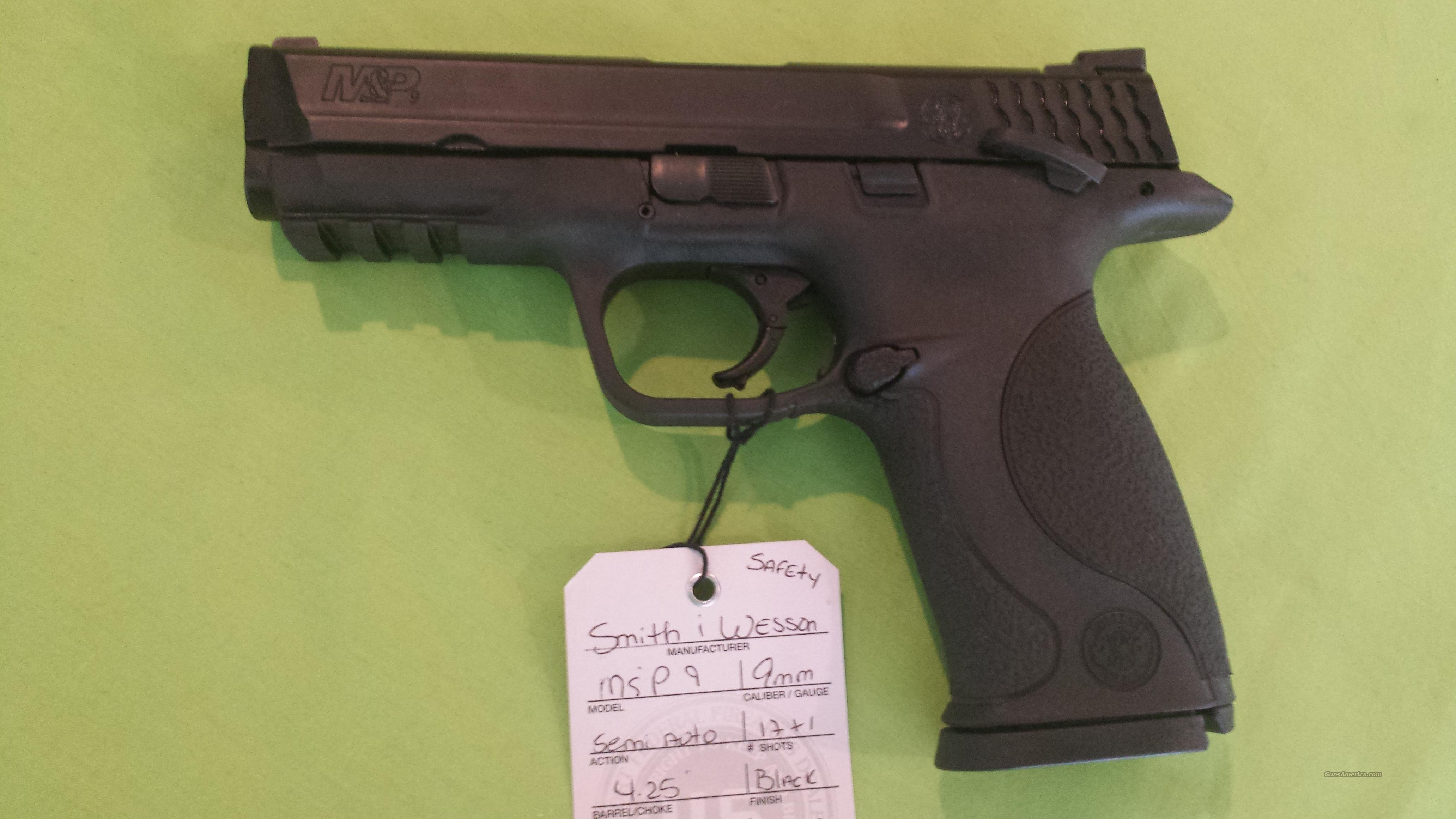 Smith & Wesson M&P 9 9 9mm 4.25 17+1 S&W M&P SAFETY  Guns > Pistols > Smith & Wesson Pistols - Autos > Polymer Frame