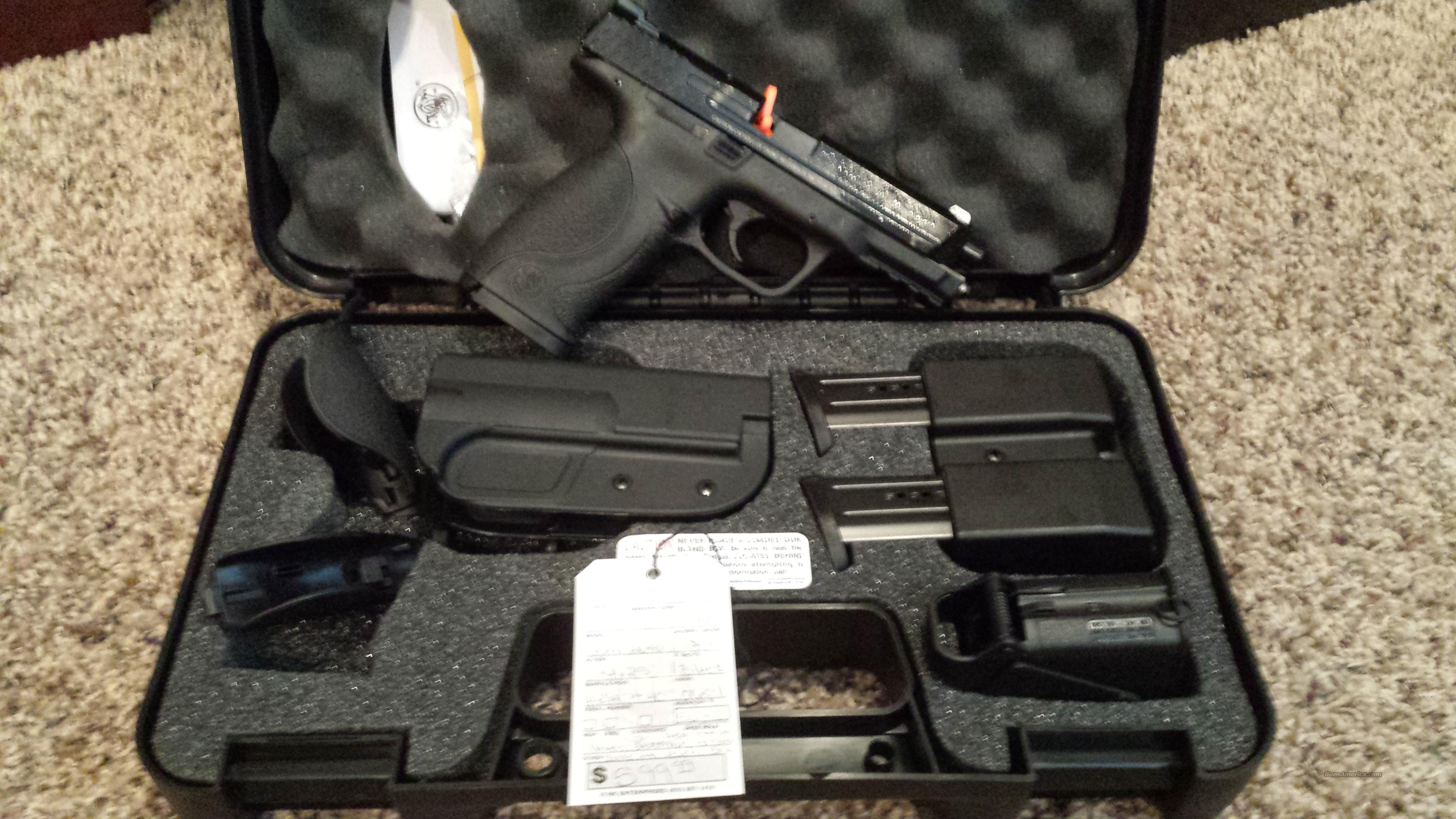 "SMITH & WESSON S&W M&P 9 4.25"" 9MM 17RD CARRY KIT  Guns > Pistols > Smith & Wesson Pistols - Autos > Polymer Frame"