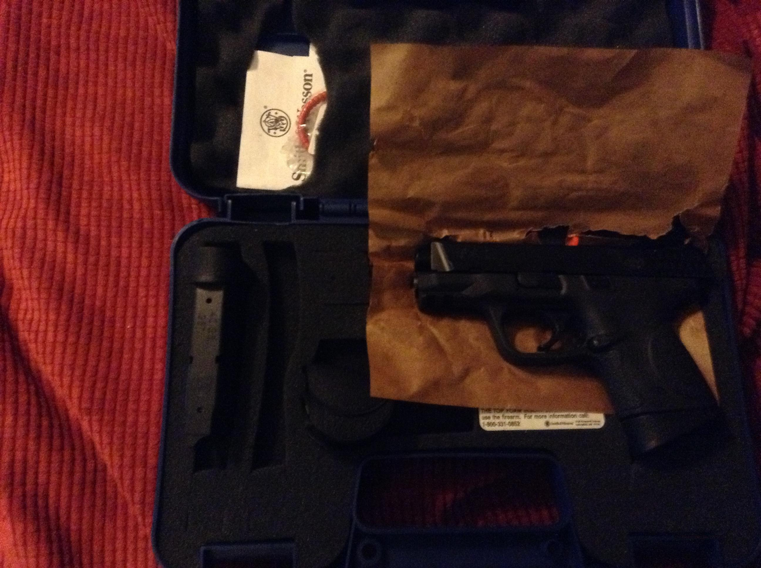 Smith&wesson m&p compact 40 cal  Guns > Pistols > Smith & Wesson Pistols - Autos > Polymer Frame