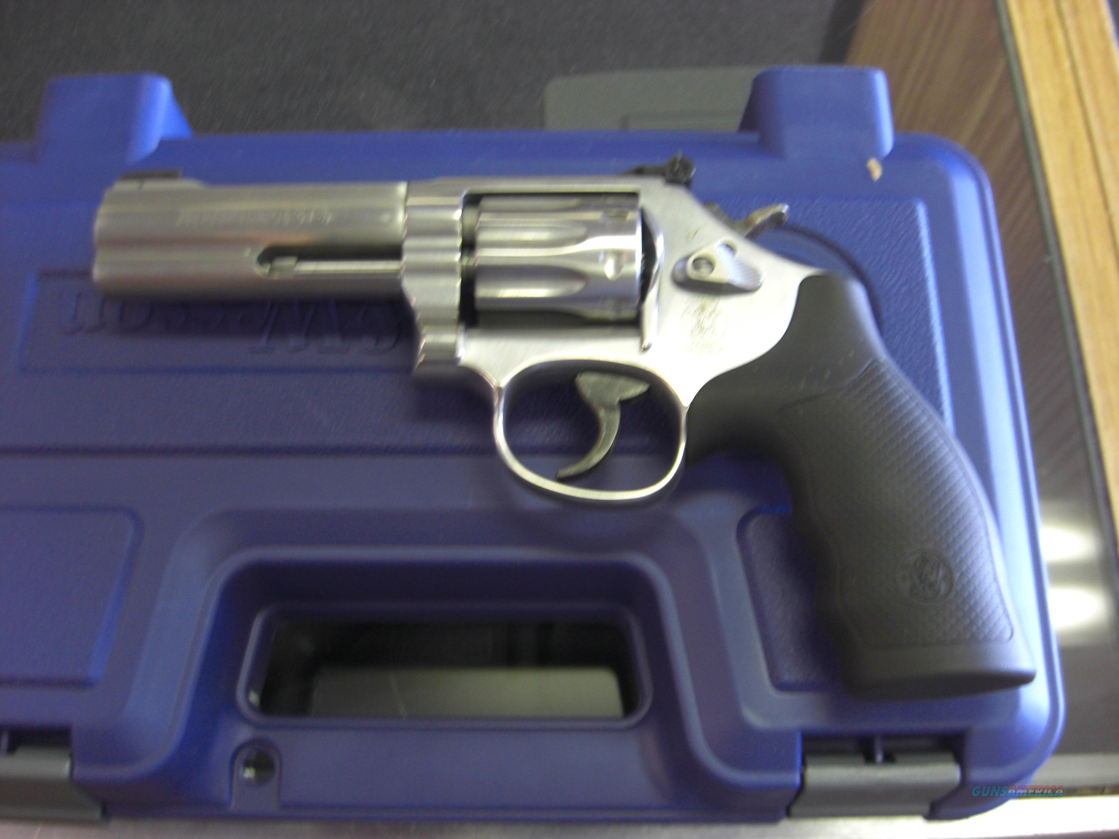 "SMITH AND WESSON 617-6 4"" .22LR TEN SHOT STAINLESS  Guns > Pistols > Smith & Wesson Revolvers > Full Frame Revolver"