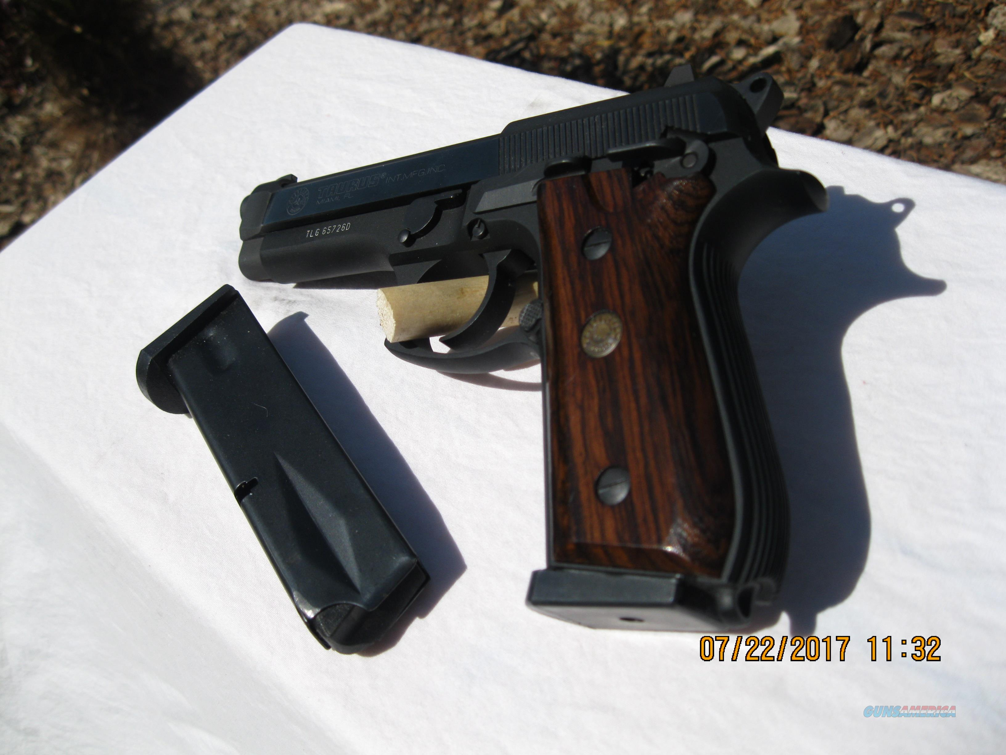 TAURUS MODEL 92 IN 9MM IN NEAR NEW CONDITION  Guns > Pistols > Taurus Pistols > Semi Auto Pistols > Steel Frame