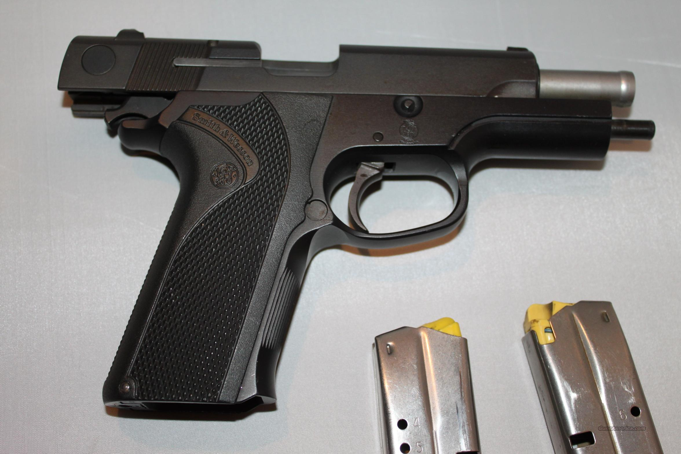 Smith & Wesson Model 411 .40Cal S&W  Guns > Pistols > Smith & Wesson Pistols - Autos > Alloy Frame