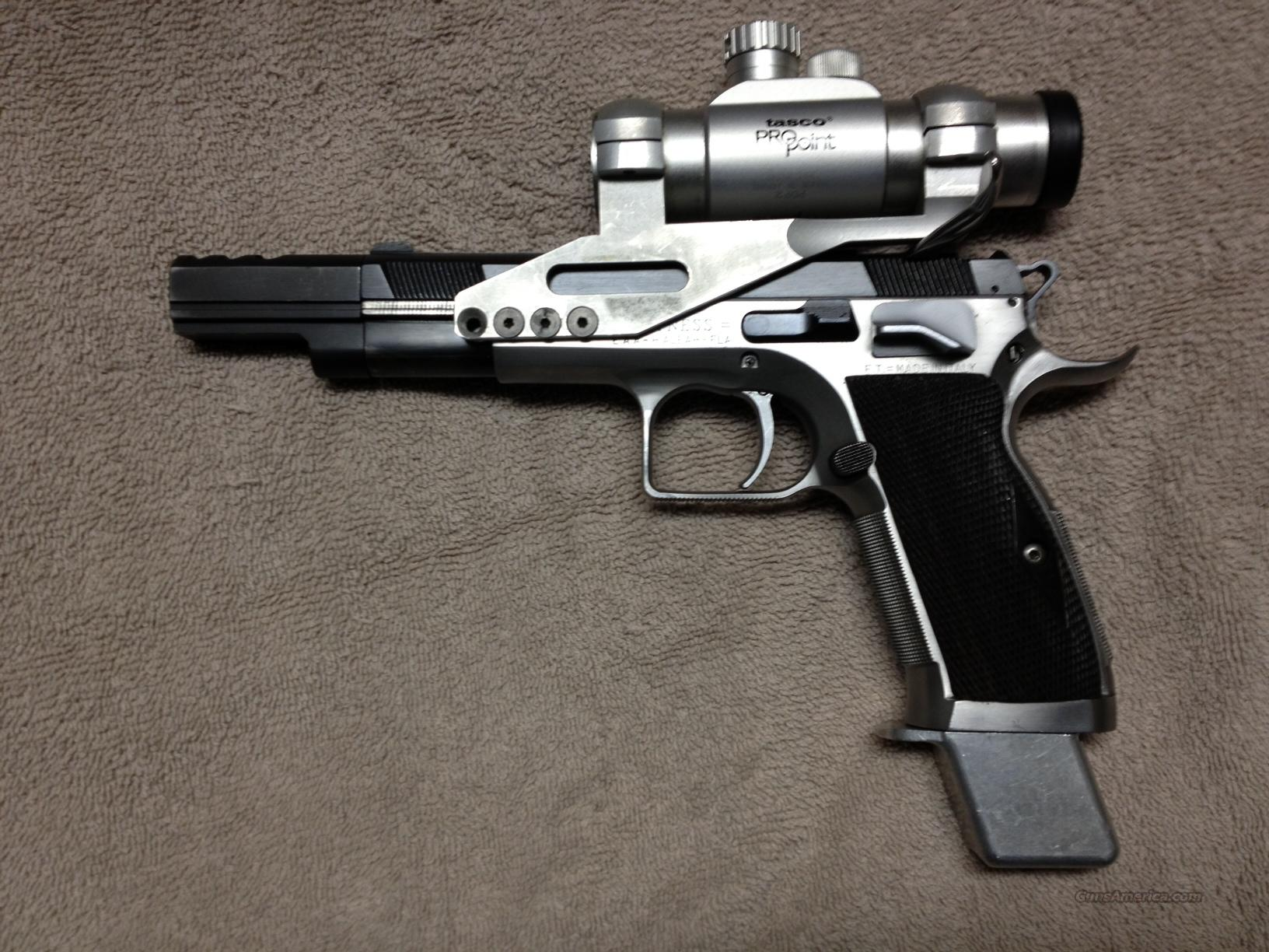 EAA Witness 40 S&W, Clips & Accessories  Guns > Pistols > EAA Pistols > Other