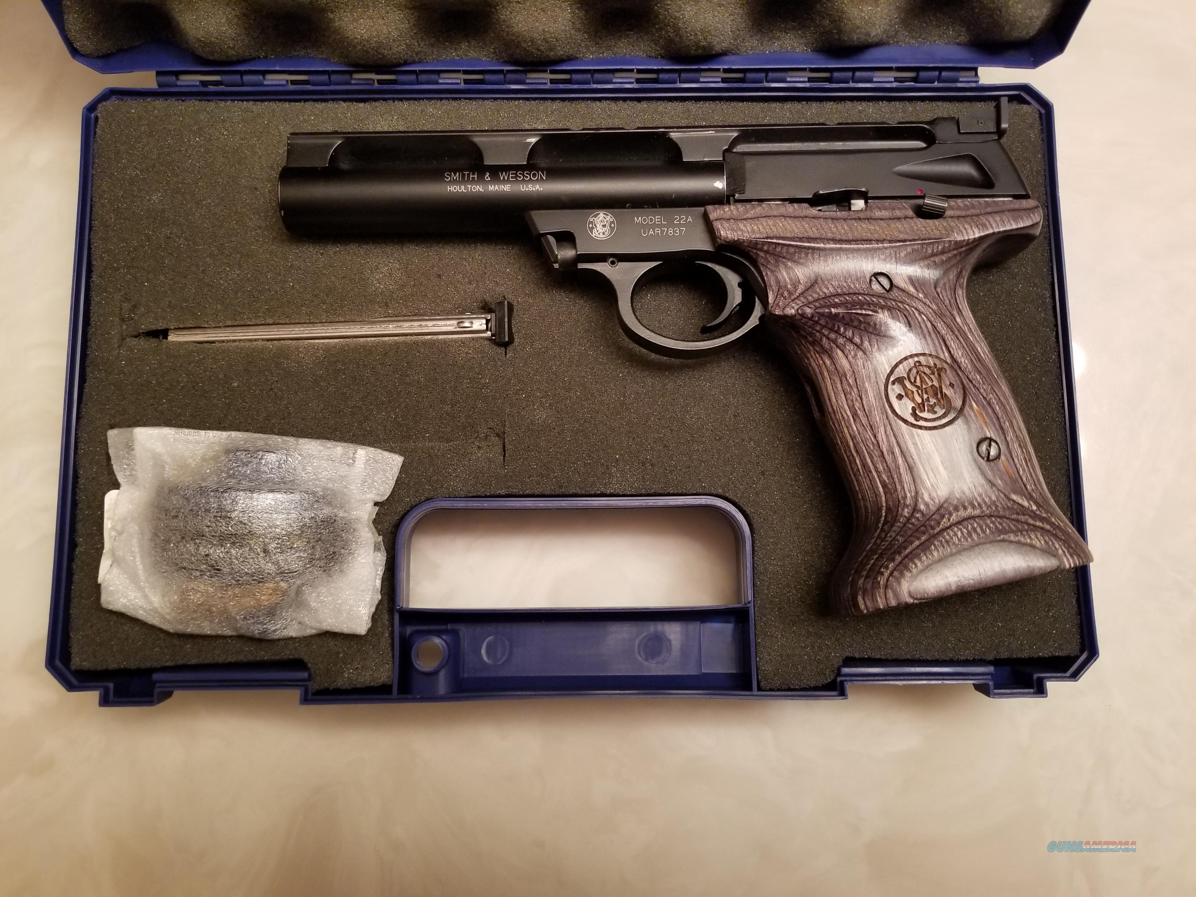 """S&W 22A 5-1/2"""" Bull barrel with wood grips  Guns > Pistols > Smith & Wesson Pistols - Autos > .22 Autos"""