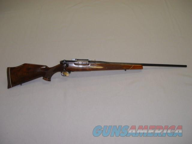 Weatherby MARK V Deluxe .300 WBY Mag.  Guns > Rifles > Weatherby Rifles > Sporting