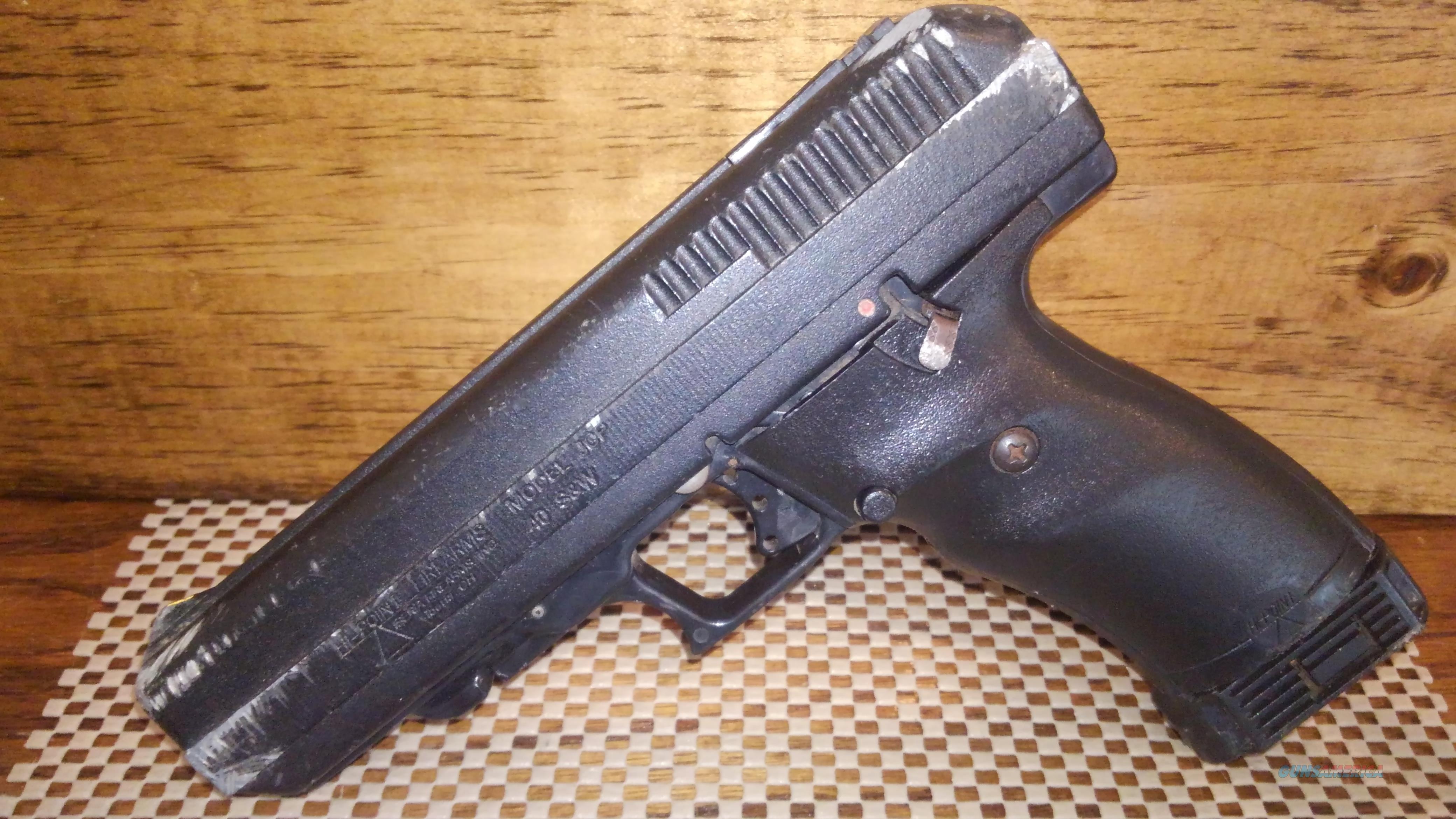 HI POINT JCP 40  1-10RD MAG, FREE SHIPPING NO CC FEE  Guns > Pistols > Hi Point Pistols
