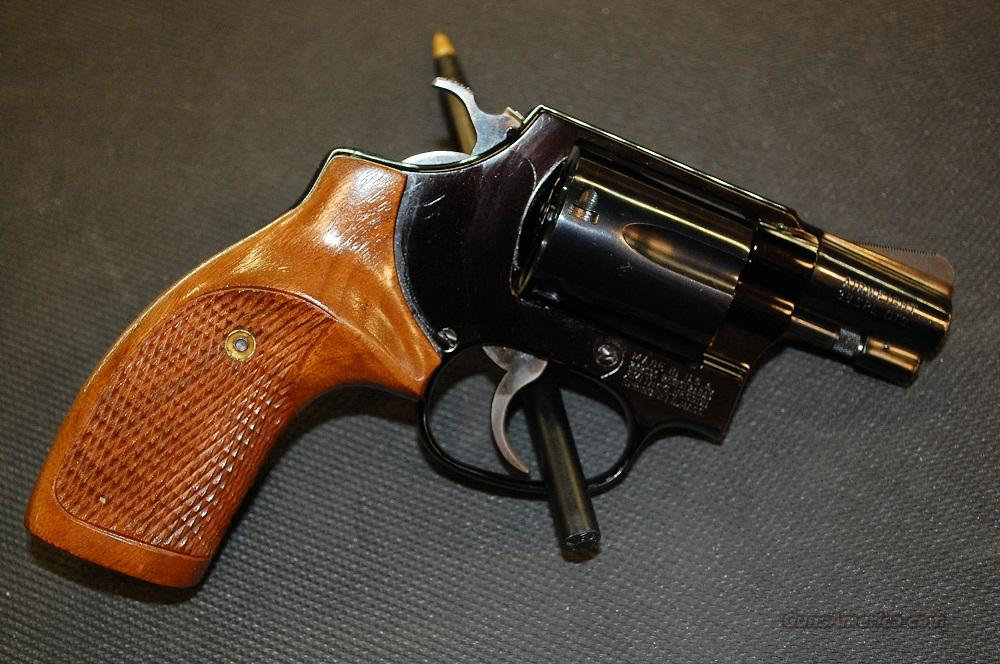 Smith & Wesson Model 37 airweight revolver in .38  Guns > Pistols > Smith & Wesson Revolvers > Full Frame Revolver