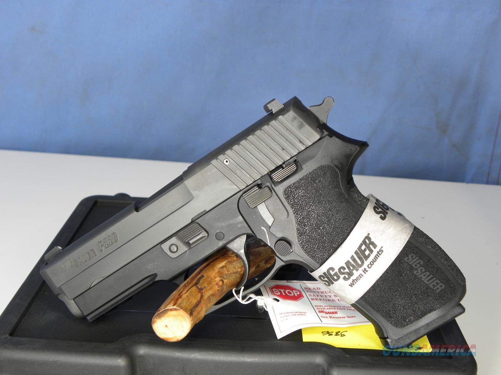 Sig Sauer 220R3-45-BSS  Guns > Pistols > Sig - Sauer/Sigarms Pistols > P220