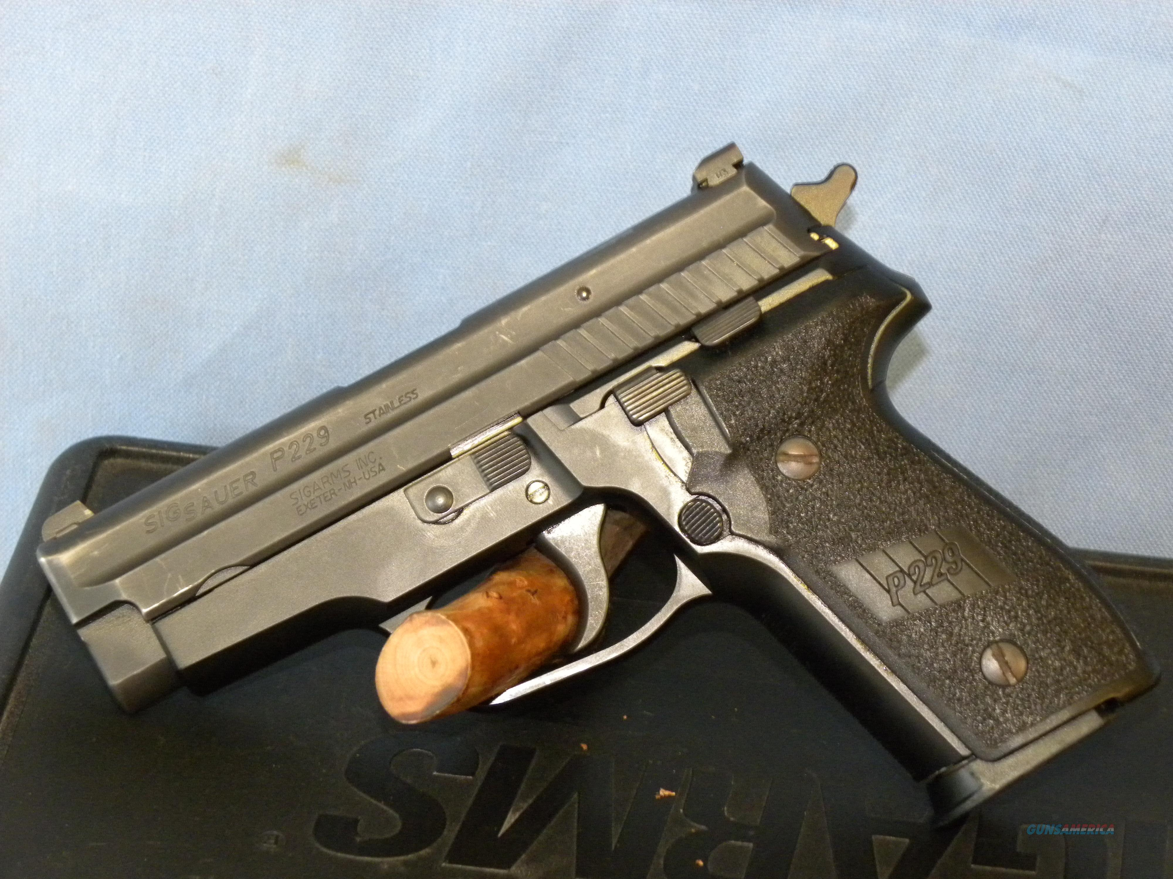 Sig Sauer 229 .40 S&W  Guns > Pistols > Sig - Sauer/Sigarms Pistols > P229