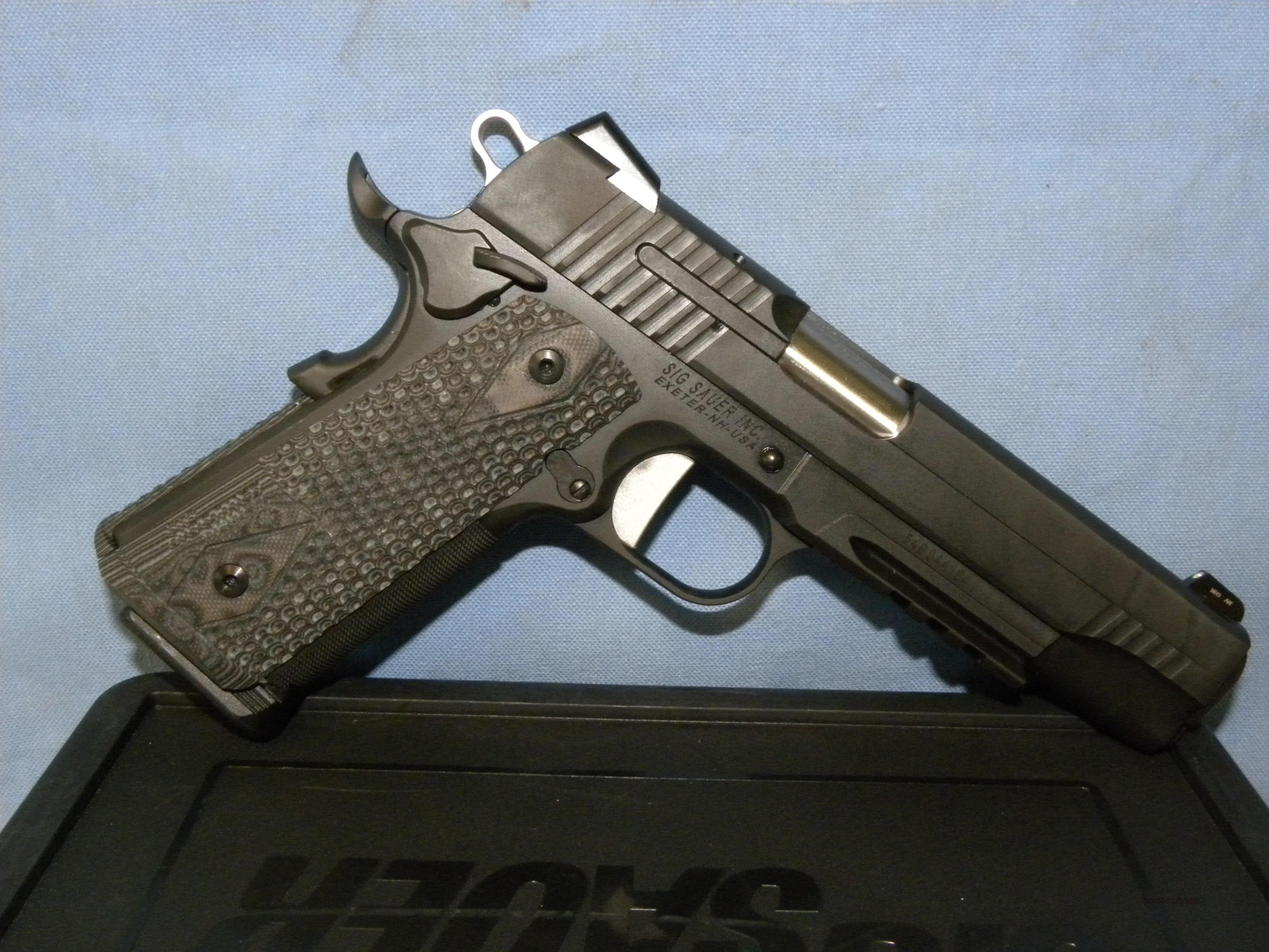 Sig Sauer 1911R-45-XTM-BLKGRY  Guns > Pistols > Sig - Sauer/Sigarms Pistols > 1911