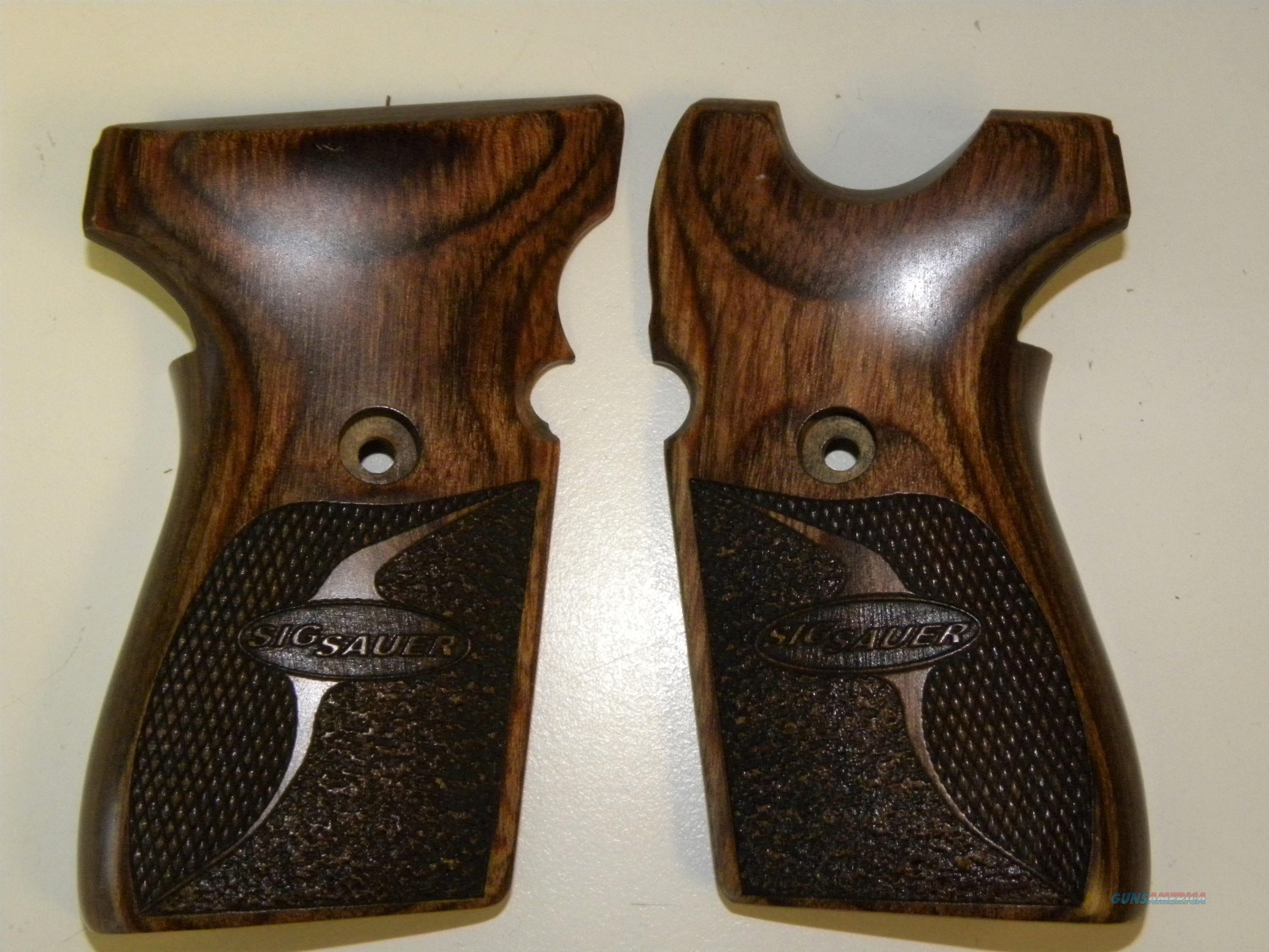 Sig Sauer 239 Walnut Grips  Non-Guns > Gunstocks, Grips & Wood