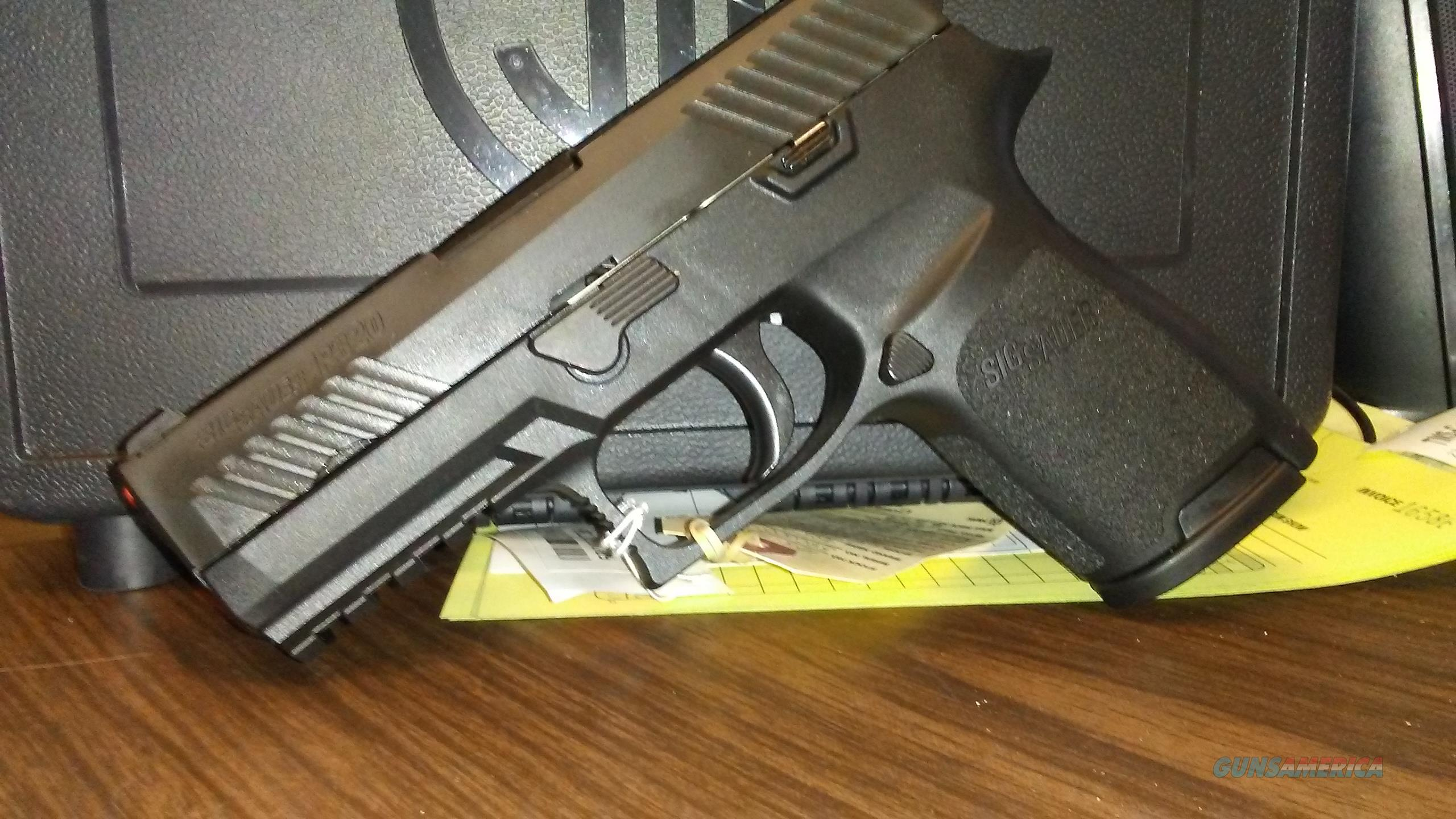 Sig Sauer P320 40 S&W  Compact  Guns > Pistols > Sig - Sauer/Sigarms Pistols > P320