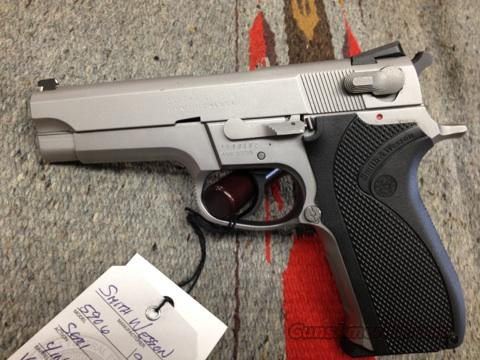 Smith Wesson 5906  Guns > Pistols > Smith & Wesson Pistols - Autos > Steel Frame