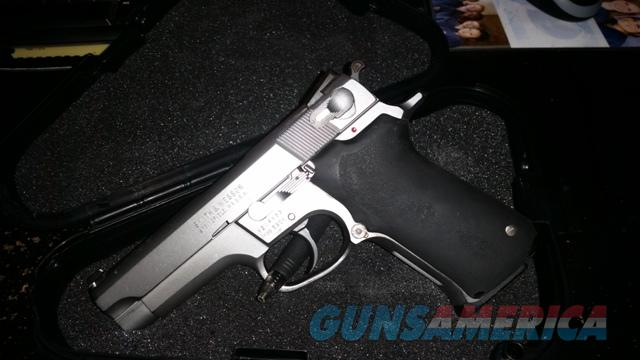 Smith & Wesson 5906 Stainless 9mm  Guns > Pistols > Smith & Wesson Pistols - Autos > Alloy Frame