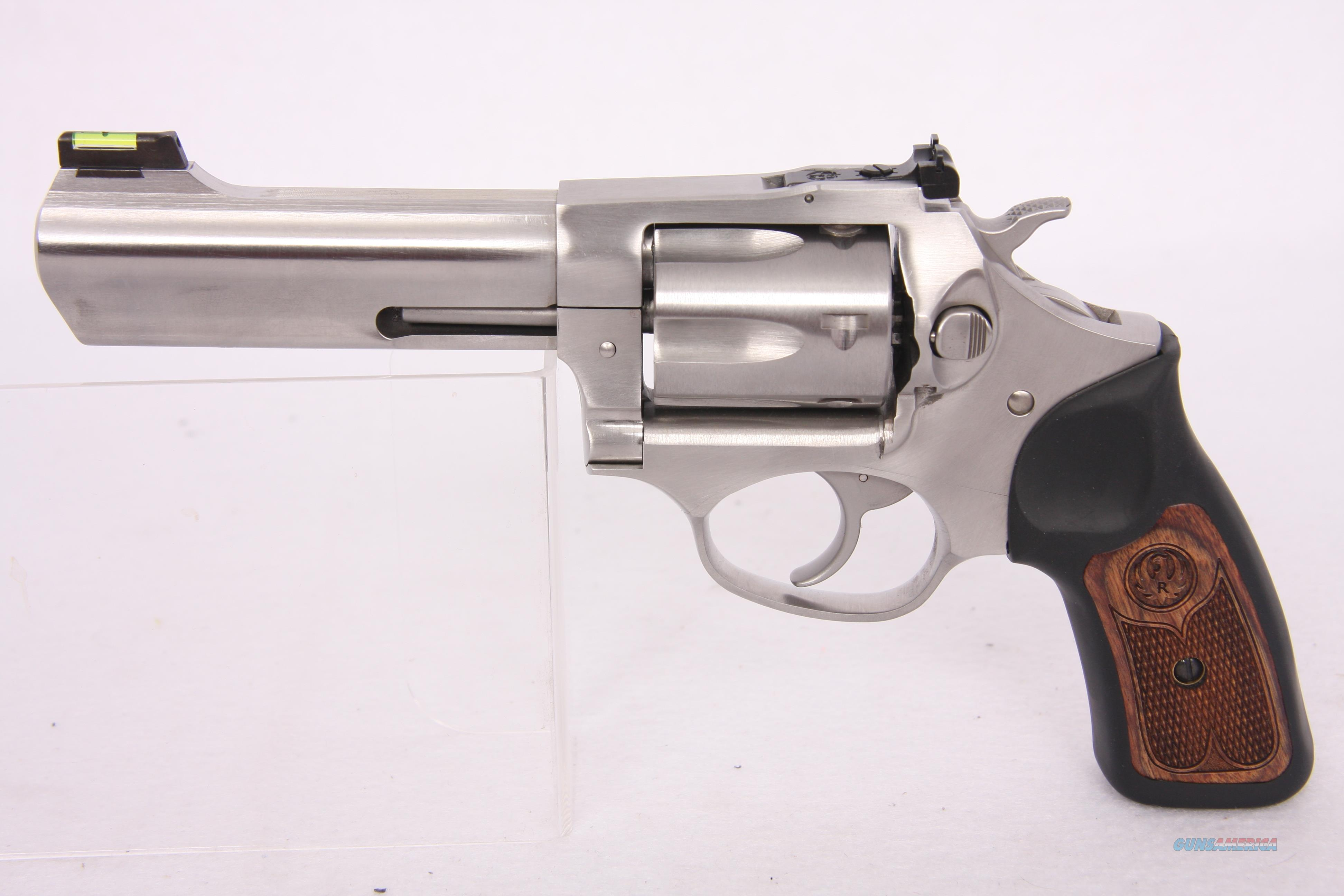 Ruger SP101 .327 Federal Mag 4.2In SS  Guns > Pistols > Ruger Double Action Revolver > SP101 Type