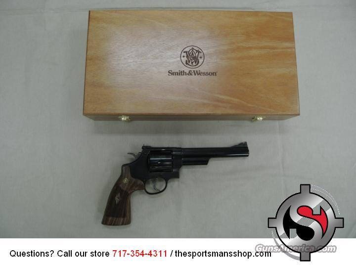 Smith & Wesson model 29 Classic .44 Magnum/S&W Special Revolver New w Display Case  Guns > Pistols > Smith & Wesson Revolvers > Full Frame Revolver