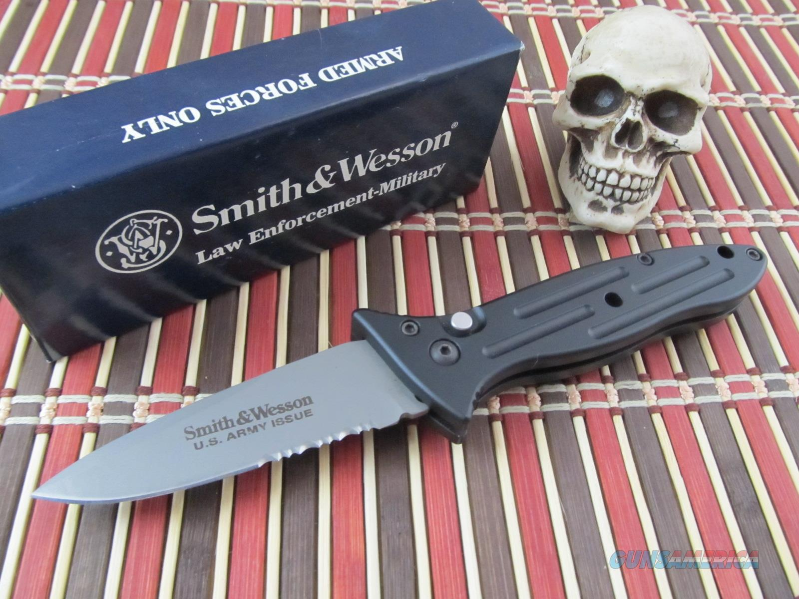 Smith Amp Wesson Knives Us Army Issue Large Auto For Sale