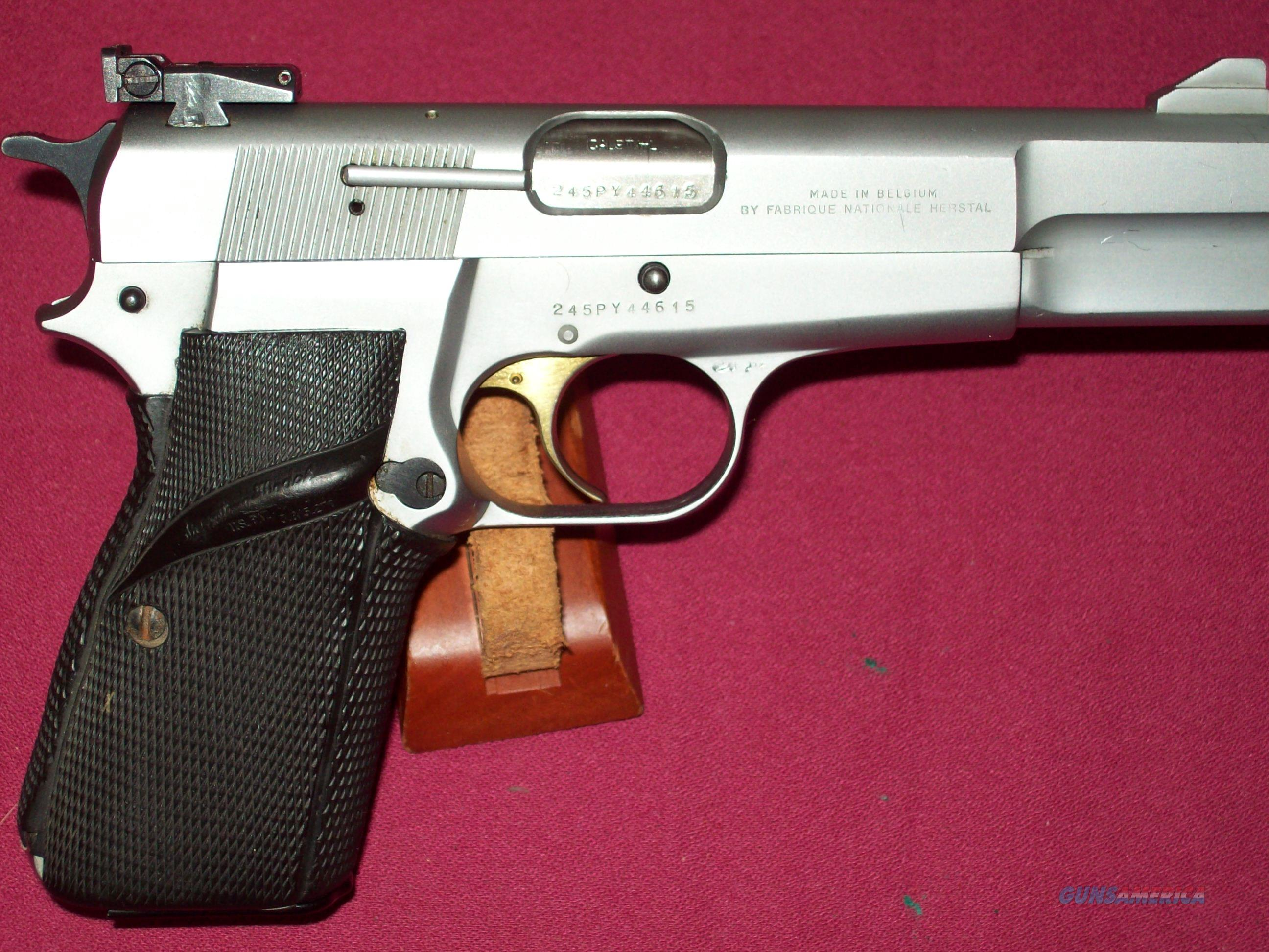 Browning Hi-Power 9mm Nickel / Silver Chrome finish Belgian made  Guns > Pistols > Browning Pistols > Hi Power