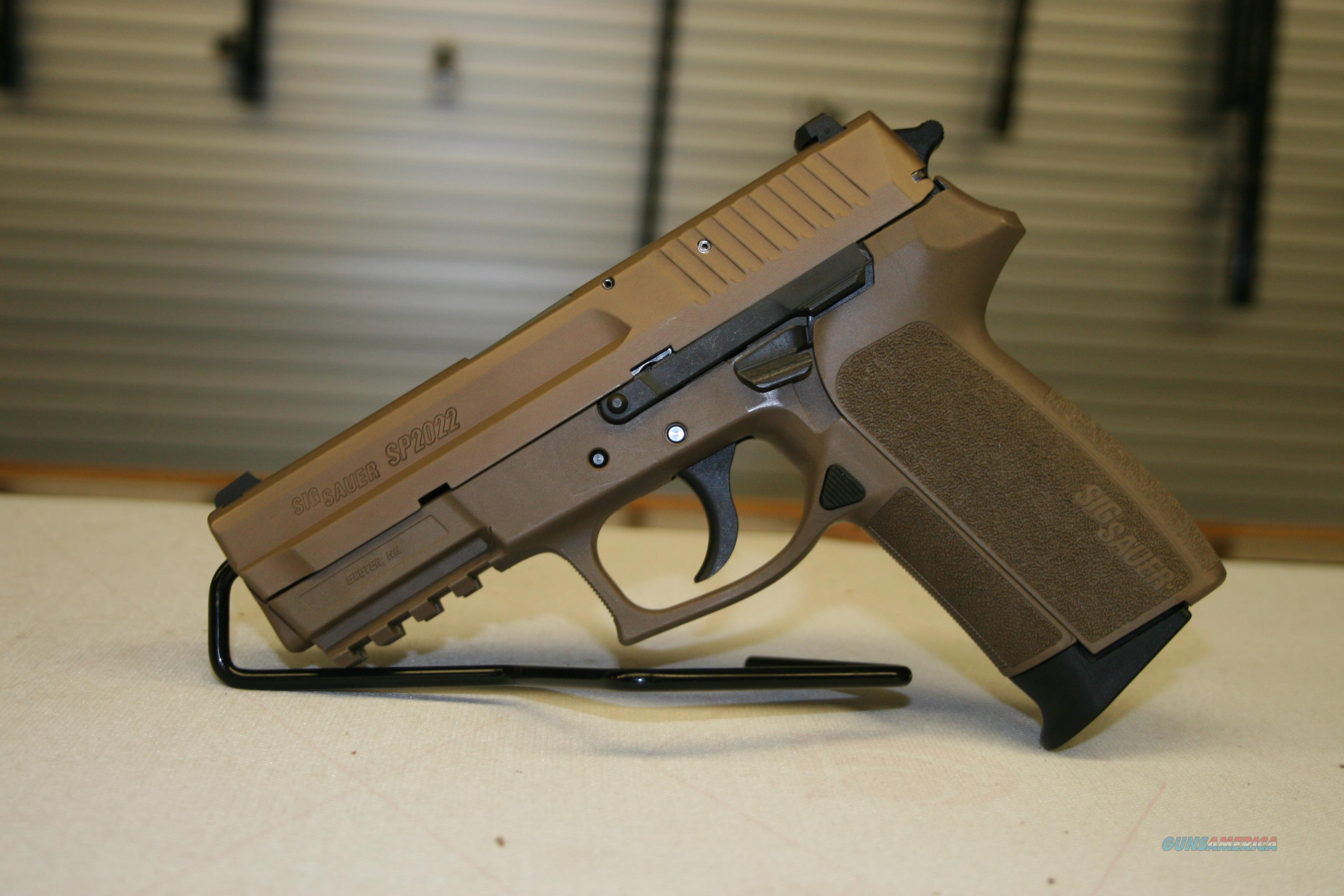 "SIG Sauer SP2022 Semi Automatic Pistol 9mm Luger 3.9"" Barrel 15 Rounds Polymer Frame Nitron Flat Dark Earth Finish  Guns > Pistols > Sig - Sauer/Sigarms Pistols > 2022"