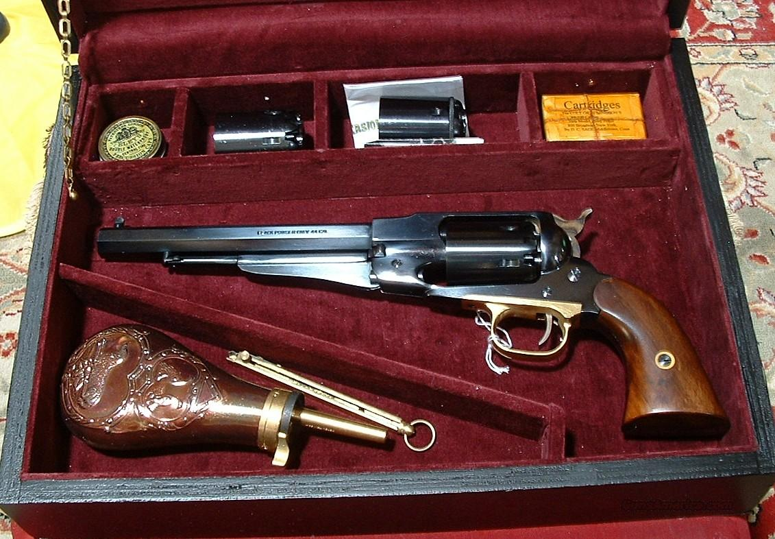 *REDUCED PRICE* PIETTA .44 CAL REMINGTON STYLE PERCUSSION REVOLVER CASED SET  Guns > Pistols > Pietta Pistols