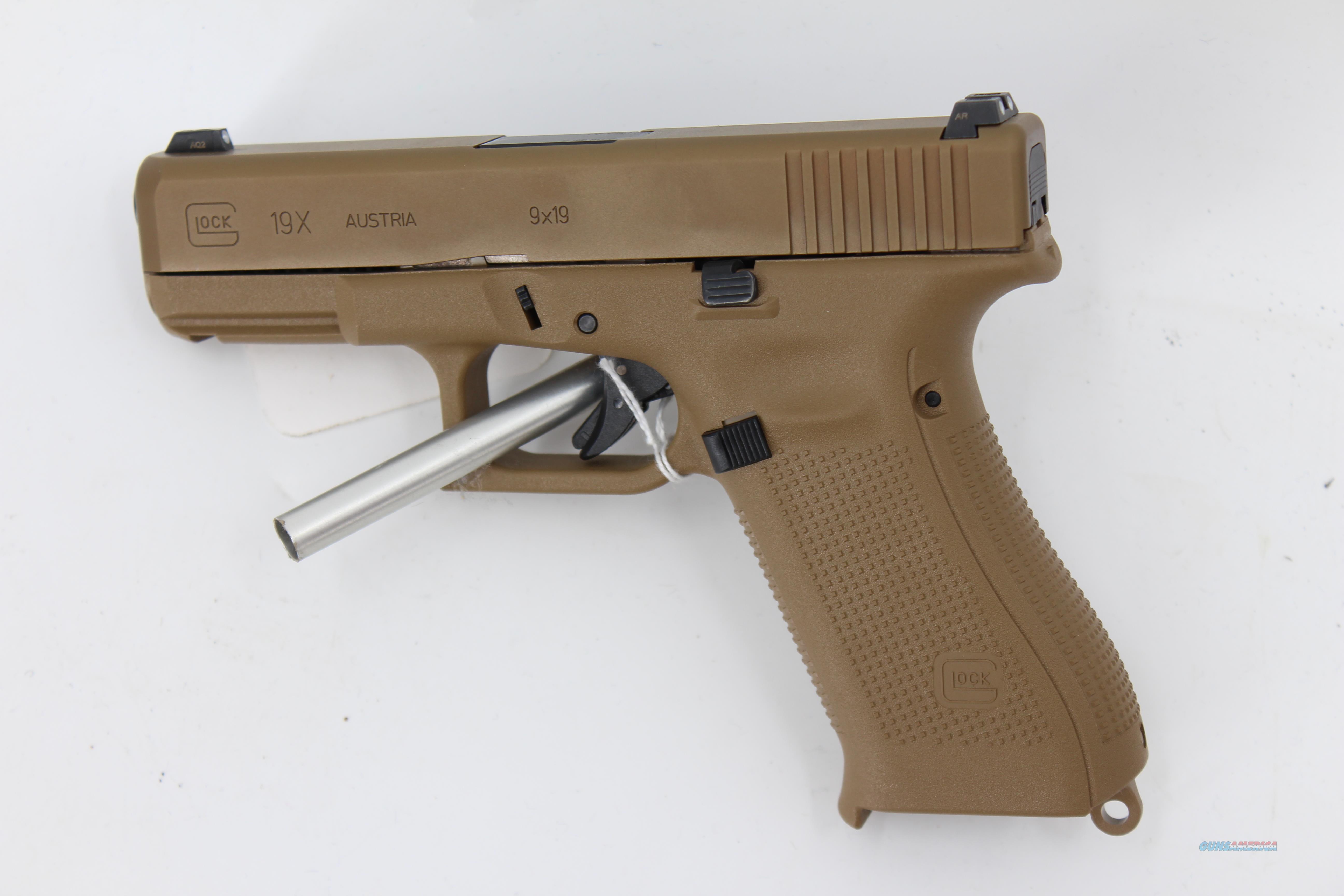 Glock 19X Coyote Tan w/ Night Sights and 3 mags  Guns > Pistols > Glock Pistols > 19