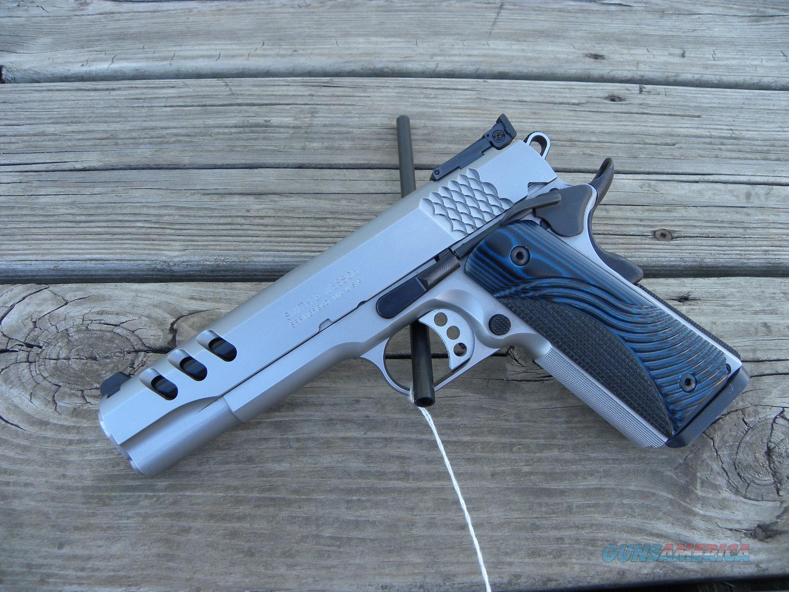BLEM NIB Smith and Wesson 1911 PC 170343  Guns > Pistols > Smith & Wesson Pistols - Autos > Steel Frame