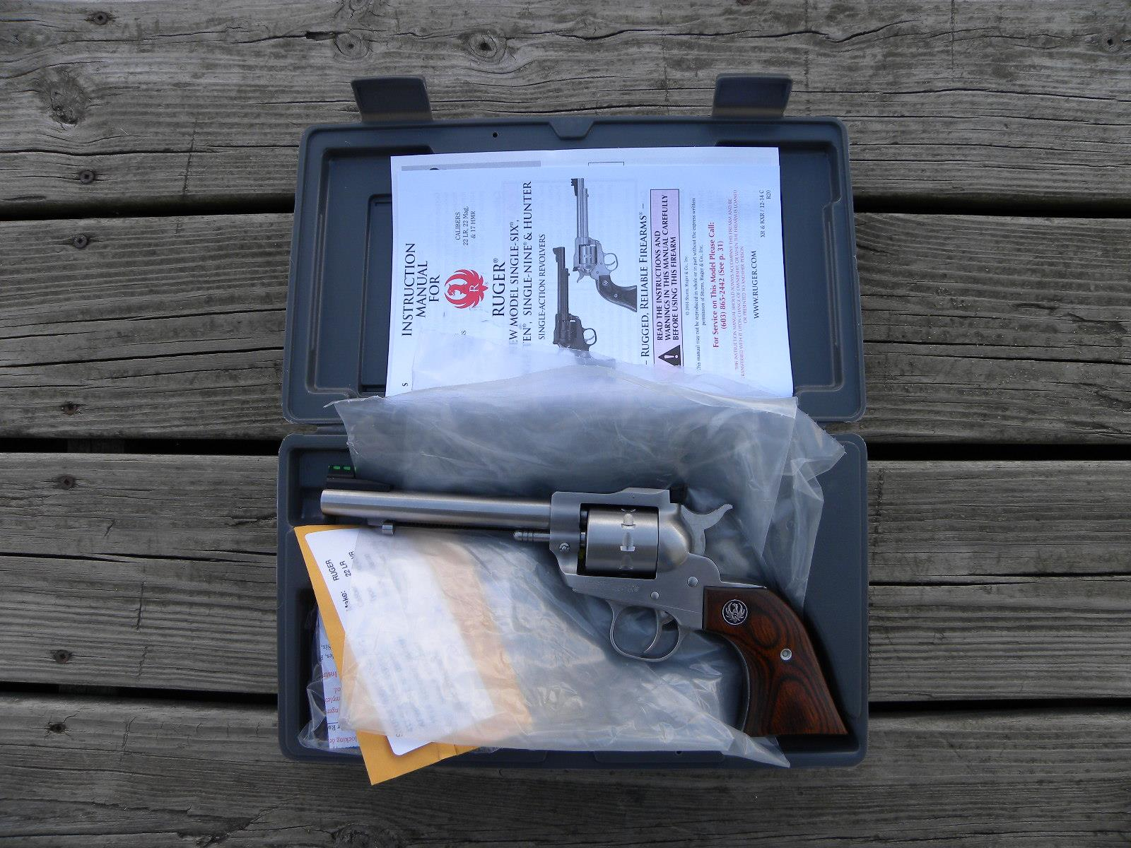 Ruger Single Ten .22lr 10 shot #8100 NIB  Guns > Pistols > Ruger Single Action Revolvers > Single Six Type