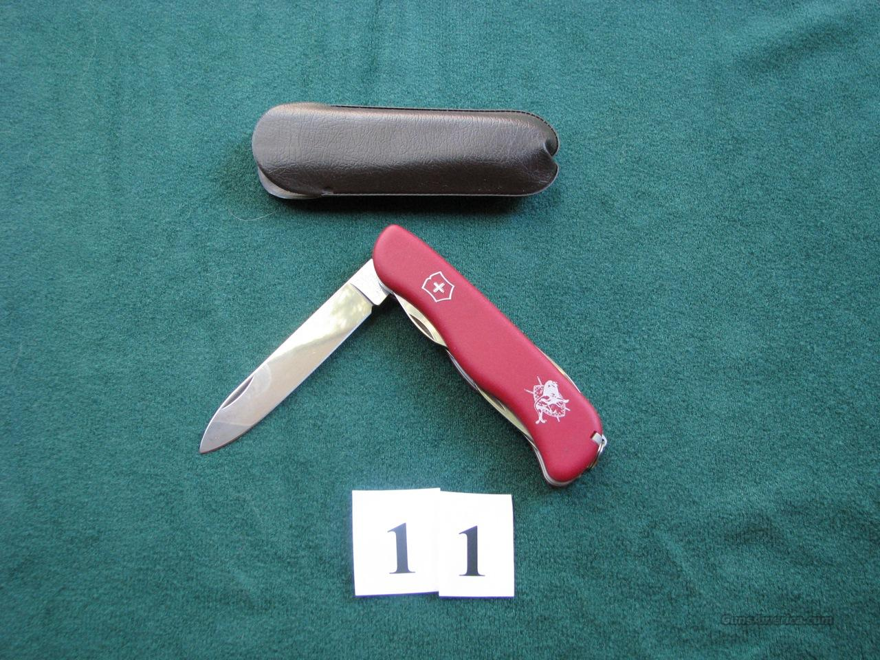 Victorinox 4-inch Swiss Army with Safari Club logo  Non-Guns > Knives/Swords > Knives > Folding Blade > Imported