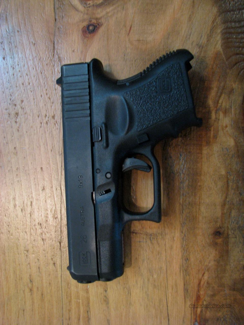 Glock Model 26 9mm, two 10-round mags  Guns > Pistols > Glock Pistols > 26/27