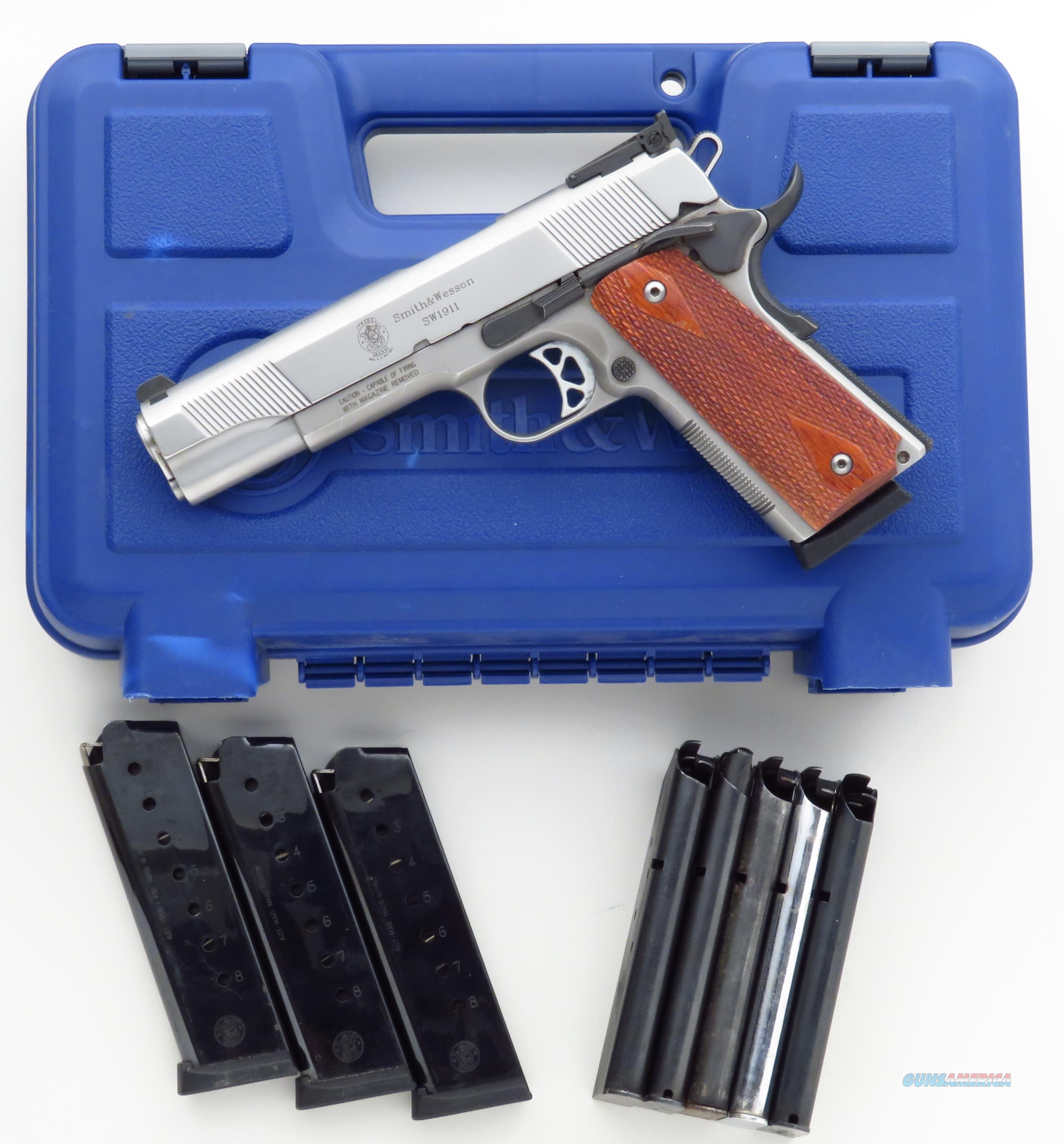 Smith & Wesson SW1911 .45 ACP, stainless slide & frame, adjustable, 10 mags, box, 2006, 95%  Guns > Pistols > Smith & Wesson Pistols - Autos > Steel Frame